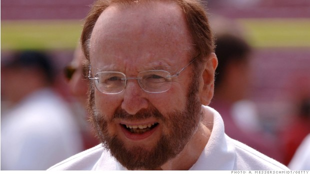 Tampa Bay Buccaneers owner Malcolm Glazer is on the sidelines before play against the Buffalo Bills September 18, 2005 in Tampa. (Photo by A. Messerschmidt/Getty Images) *** Local Caption ***