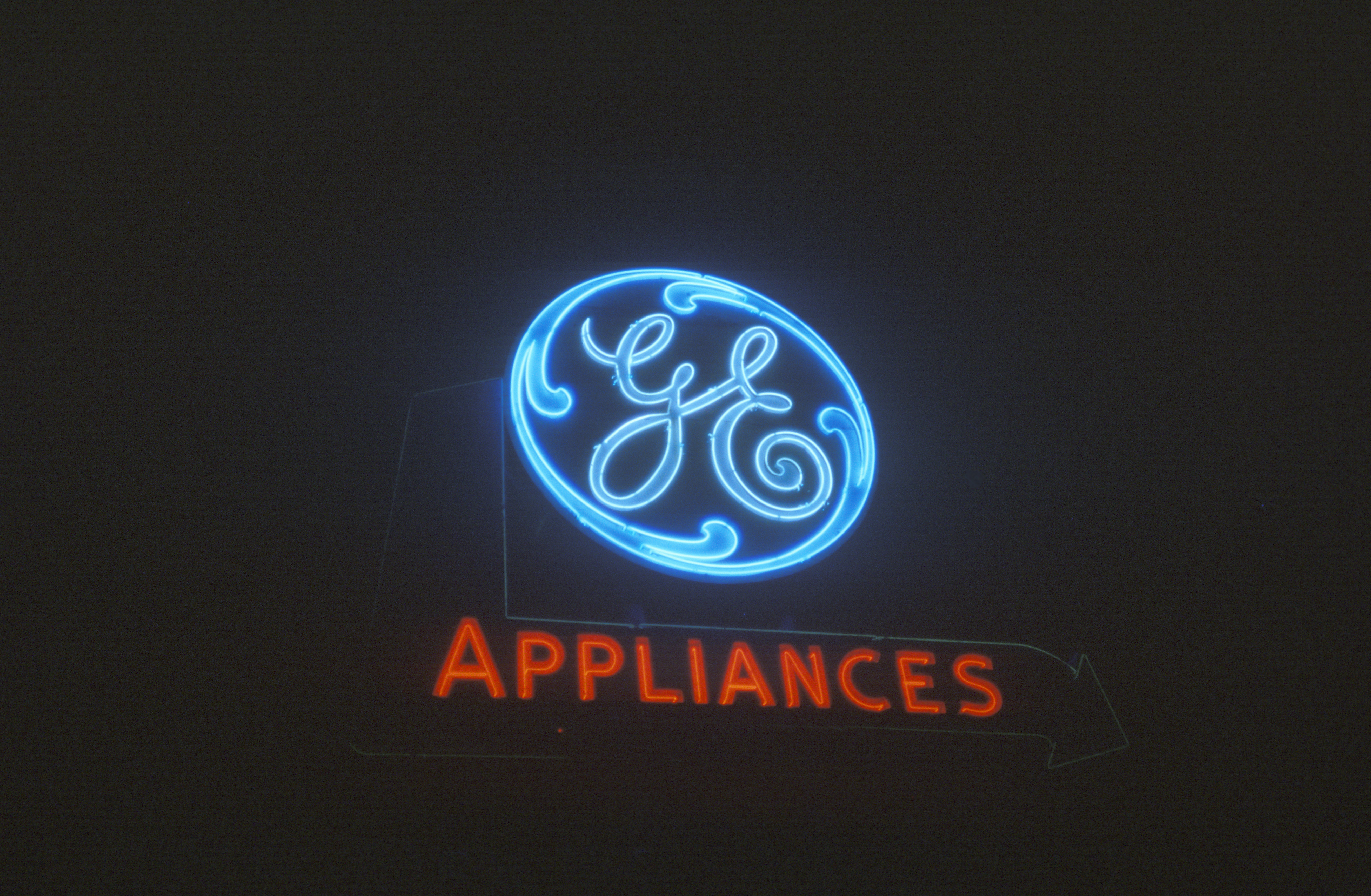 """A neon sign that reads """"GE Appliances"""""""