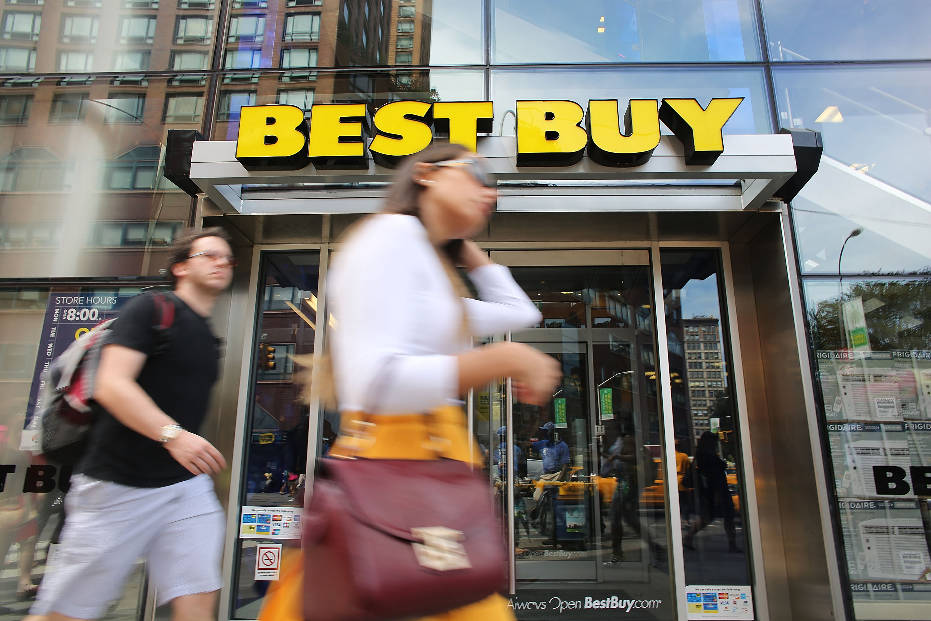 Best Buy Second Quarter Profit Drops 91 Percent