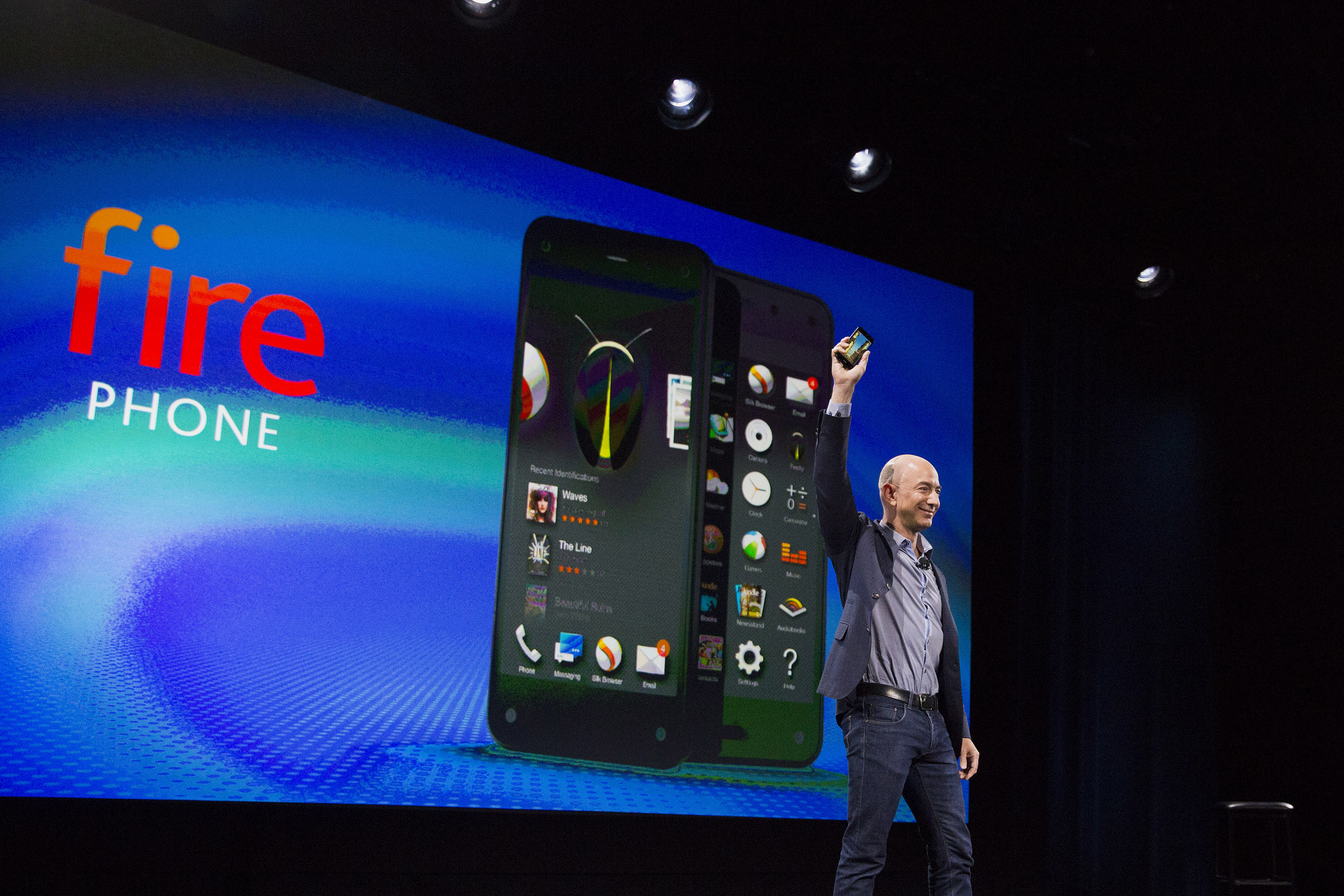 Amazon's Handset to Help Bezos Make Direct Appeal to Users