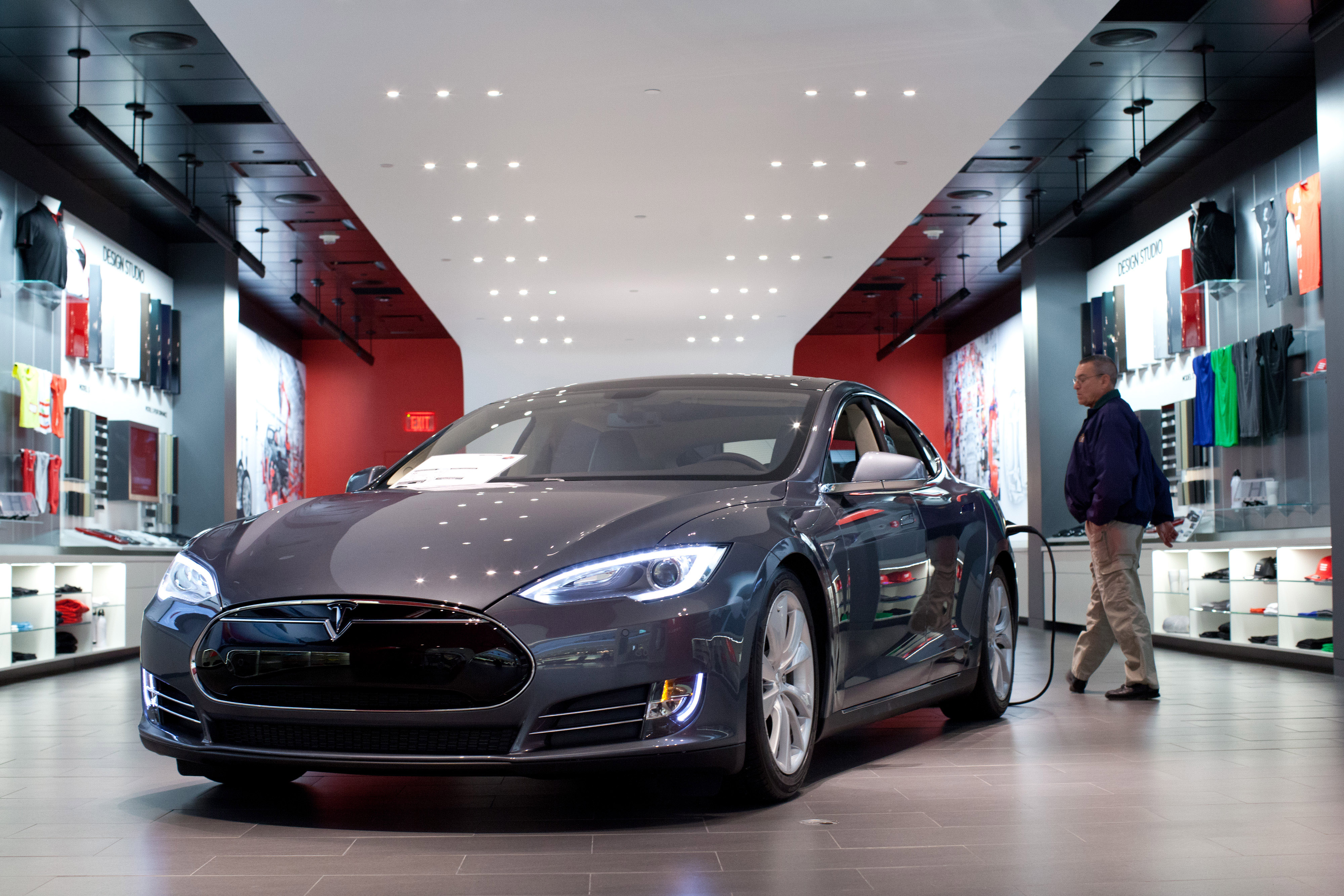 Christie Appointees Ban N.J. Direct Sales for Musk's Tesla Cars