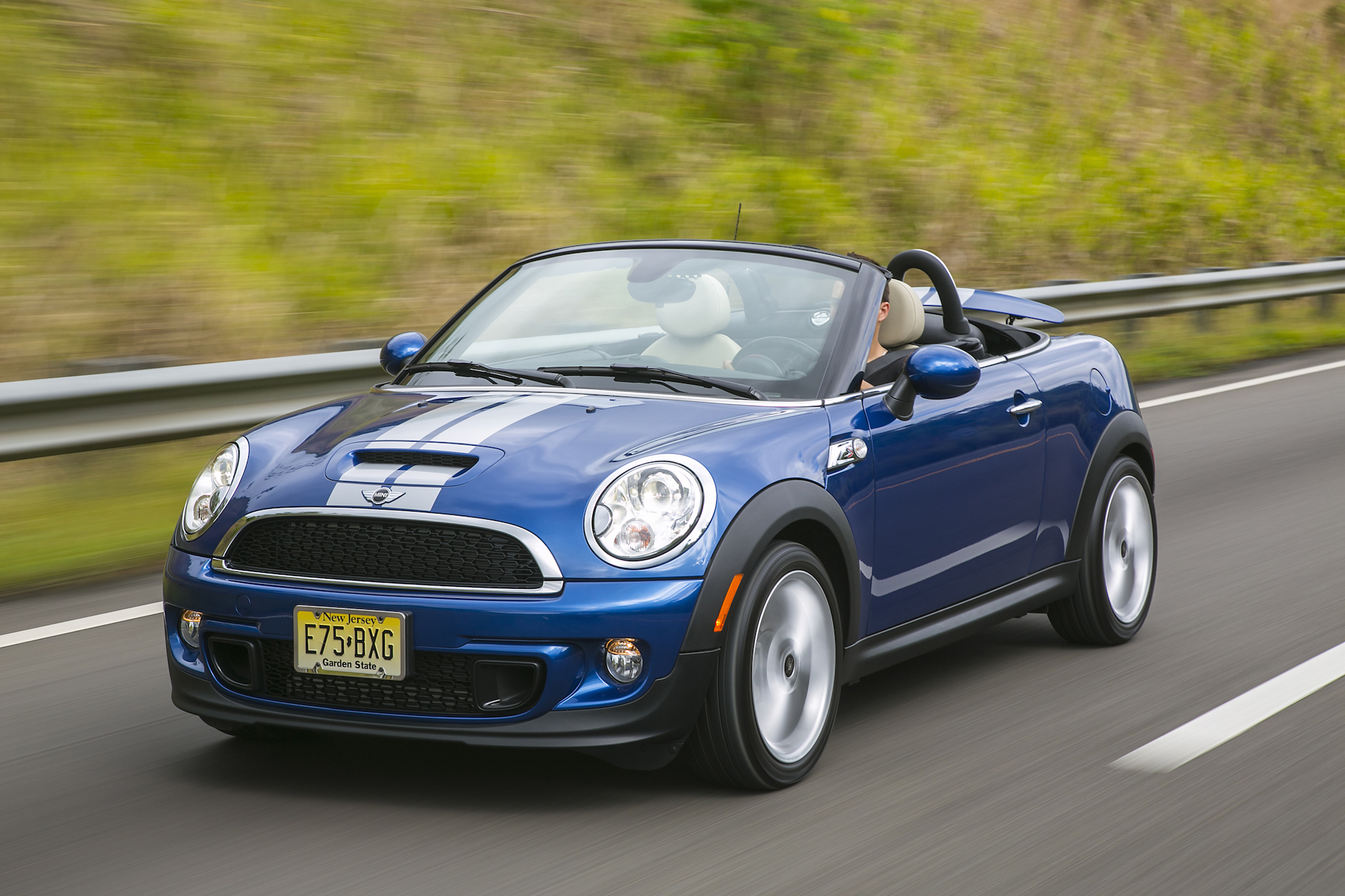 Mini Cooper Bmw >> Bmw Recalling Mini Coopers Over Steering Problems Fortune