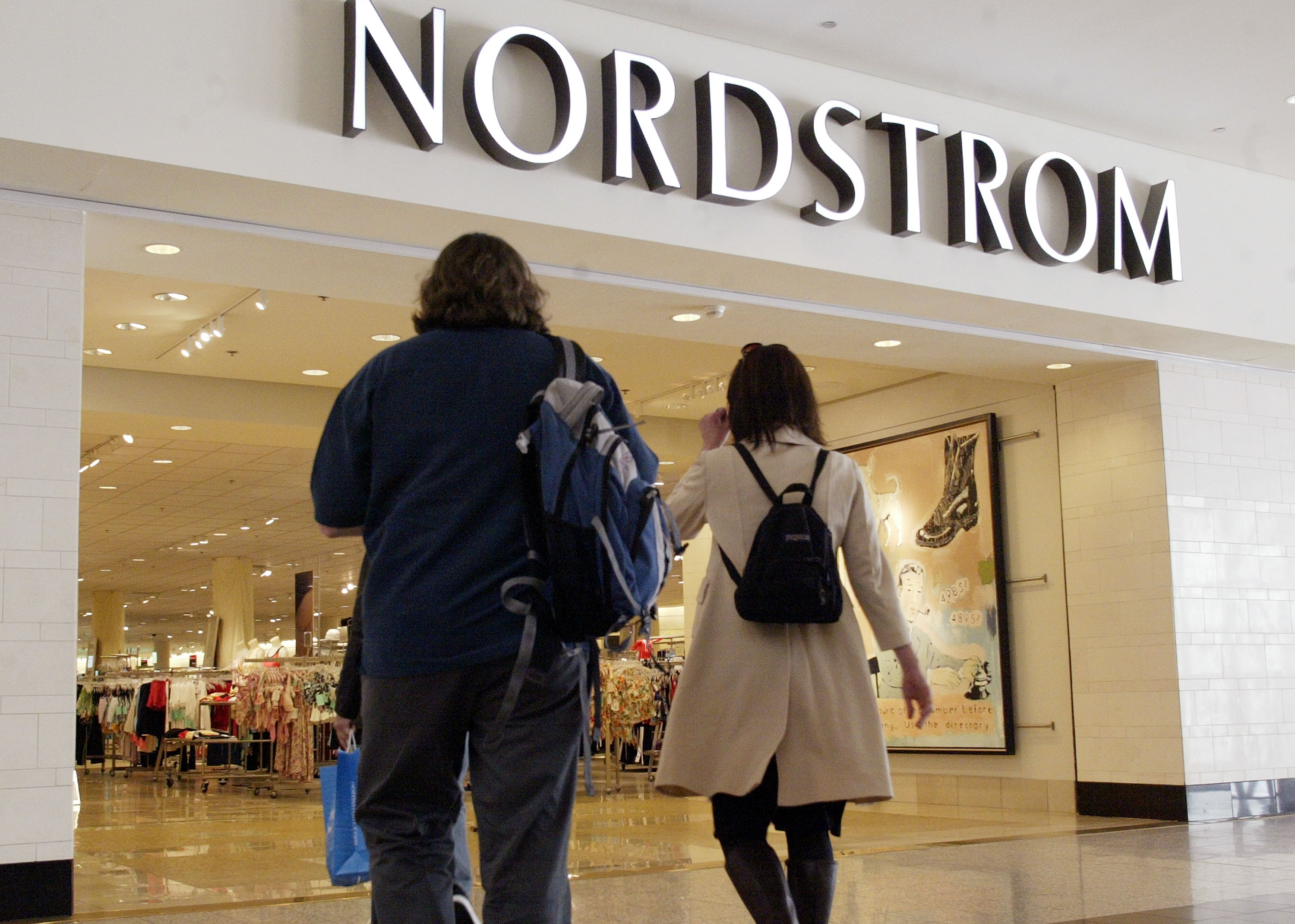 Nordstrom Expects First Quarter Earnings Per Share To Drop