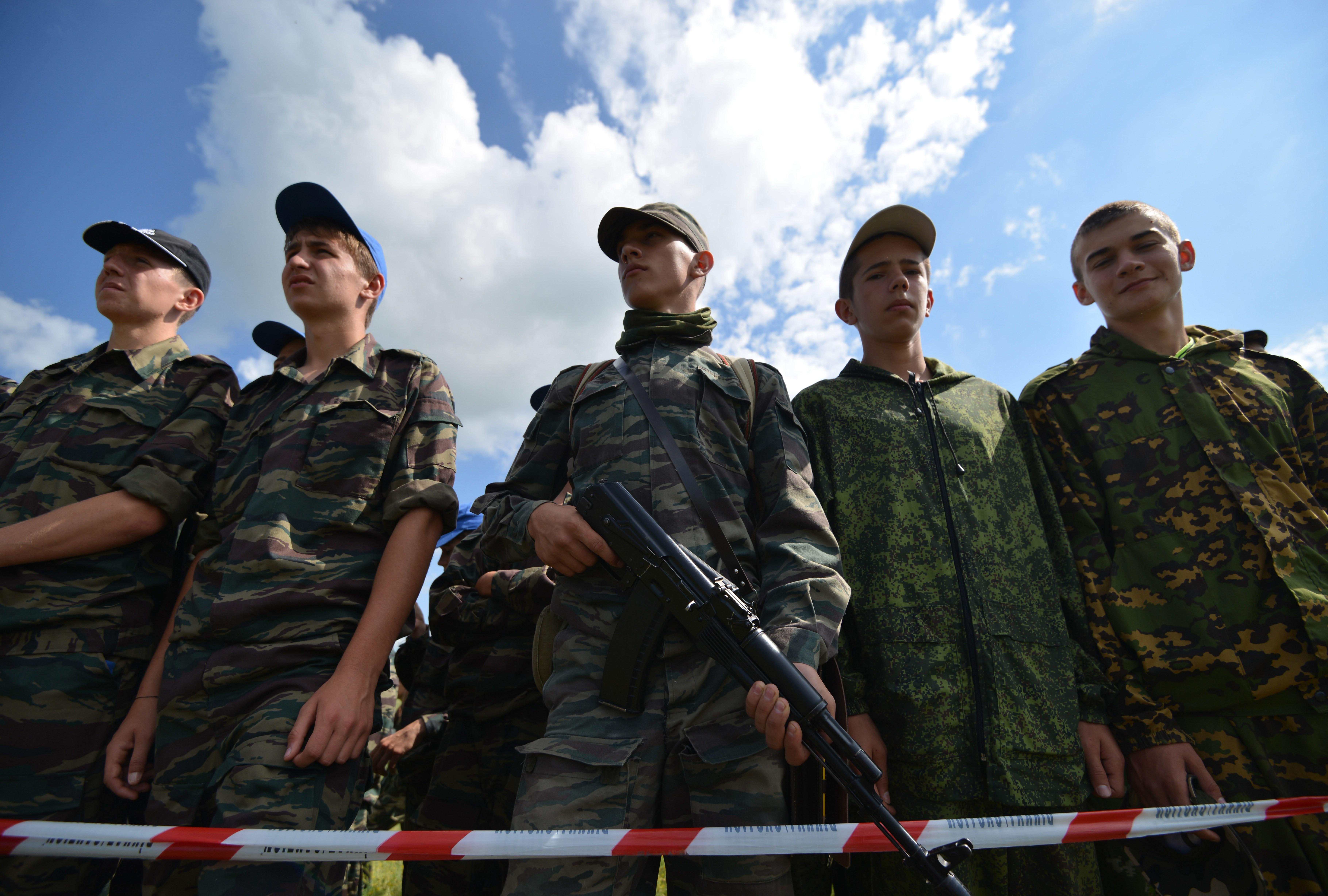 RUSSIA-TEENAGERS-MILITARY-PATRIOTIC-GAME