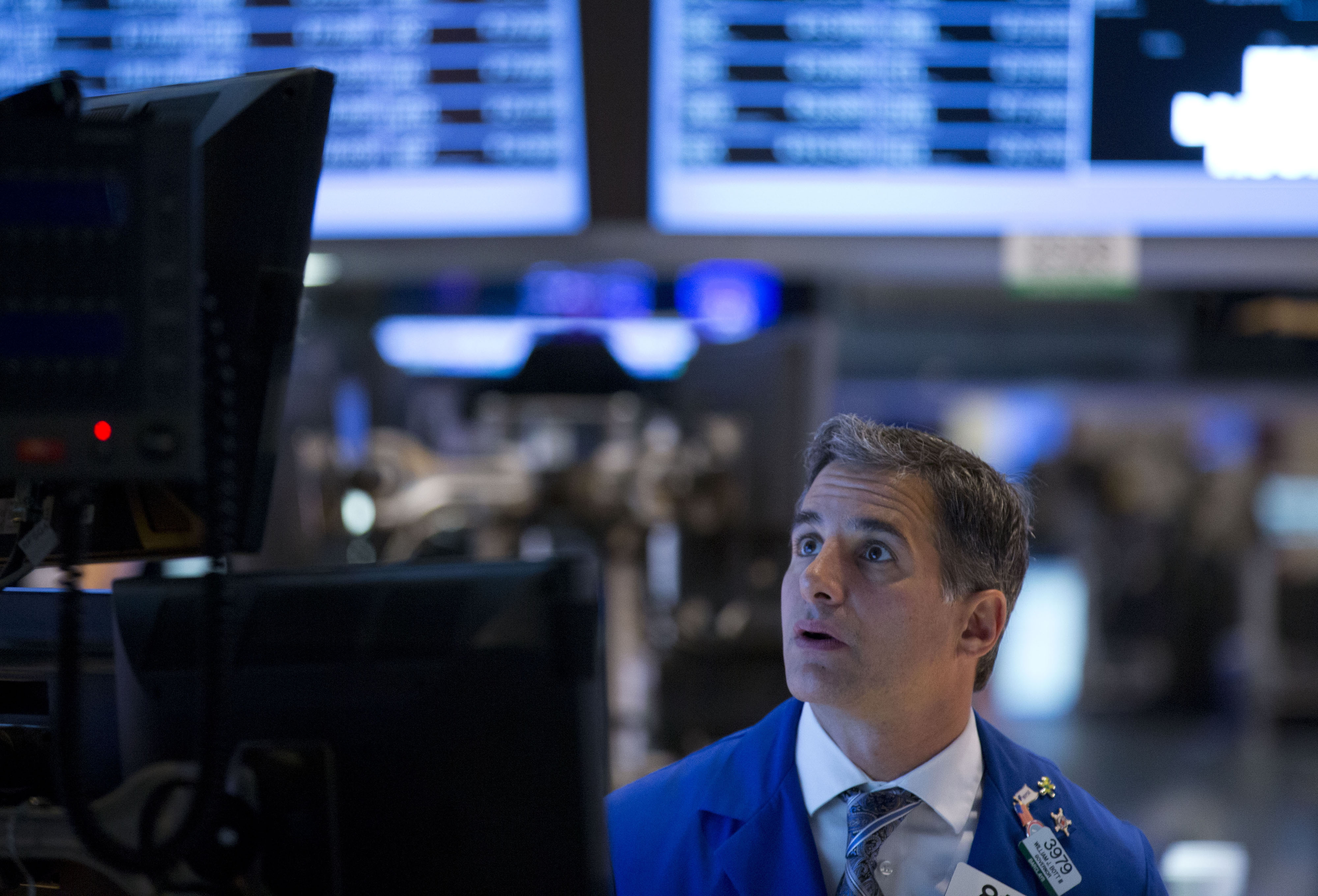 U.S. Stocks Erase Gains After Early Rally On GDP Growth