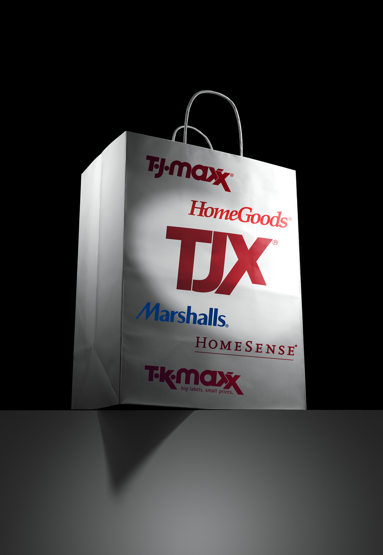 SHOPPING BAG WITH SEVERAL LOGOS: TJ MAXX, HOMEGOODS, MARSHALLS, HOMESENSE, TK MAXX
