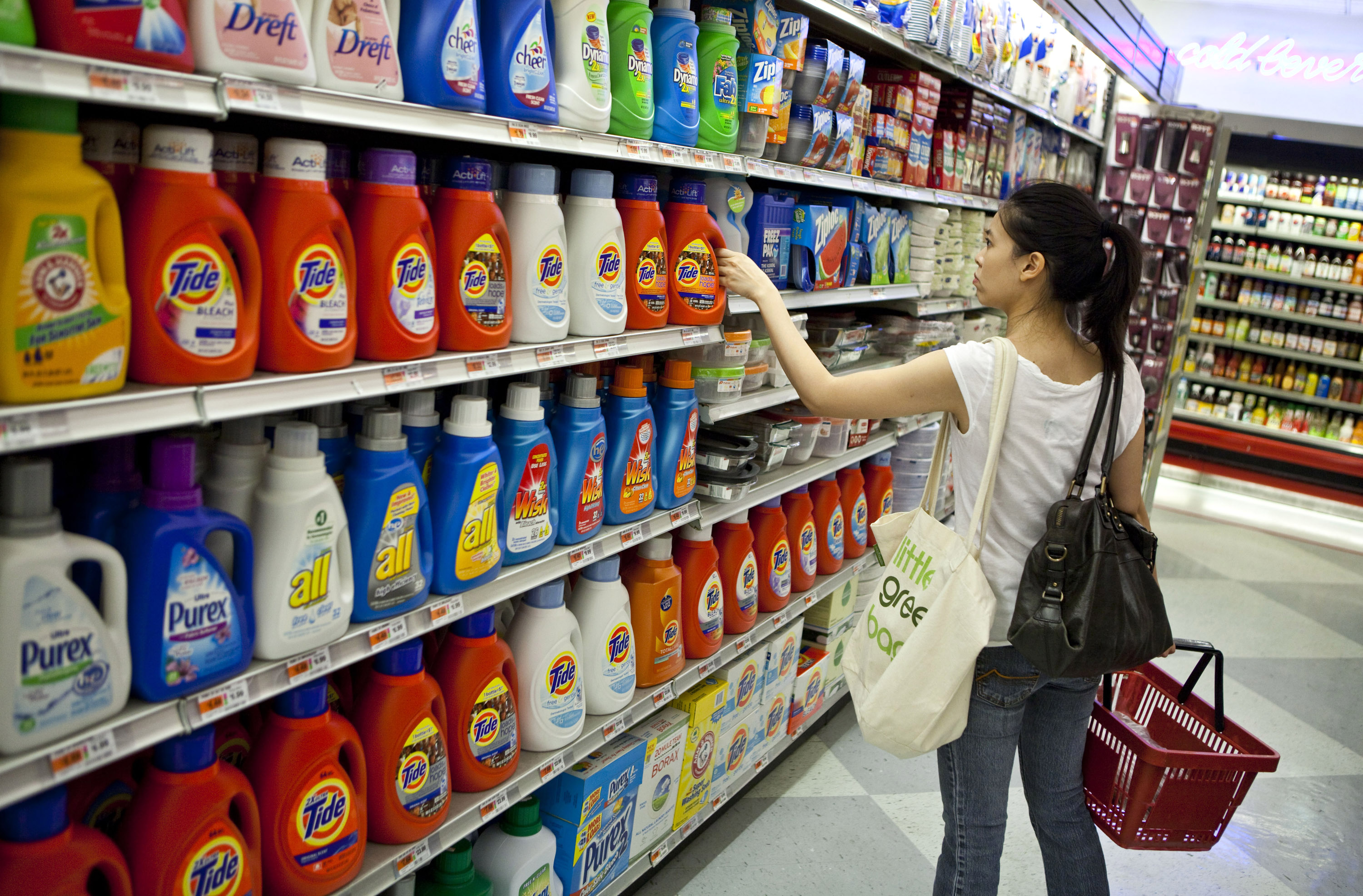 P&G Profit Forecast Trails Estimates
