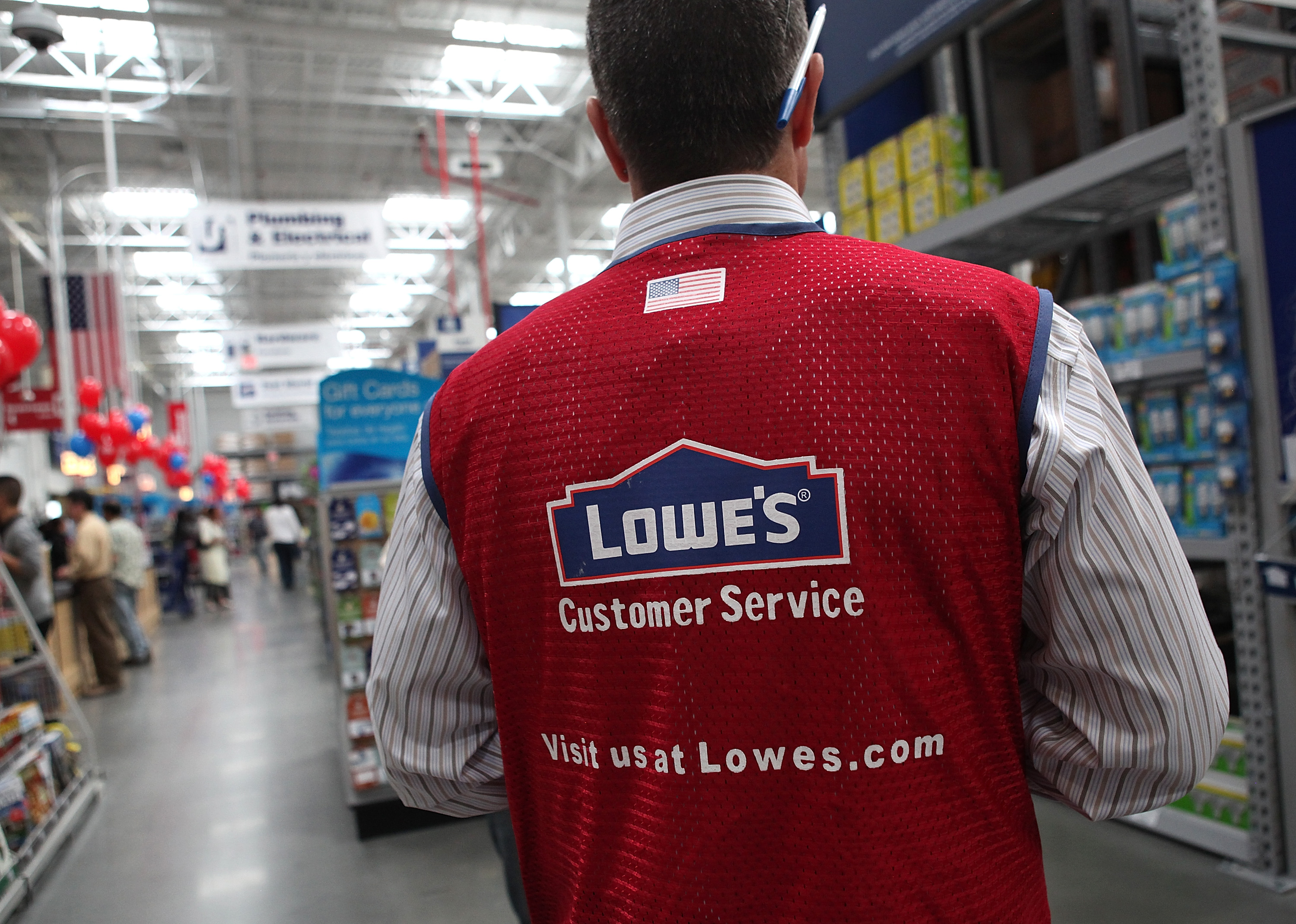 Mayor And Lt. Gov-Elect Newsom Attends A Lowe's Store Grand Opening