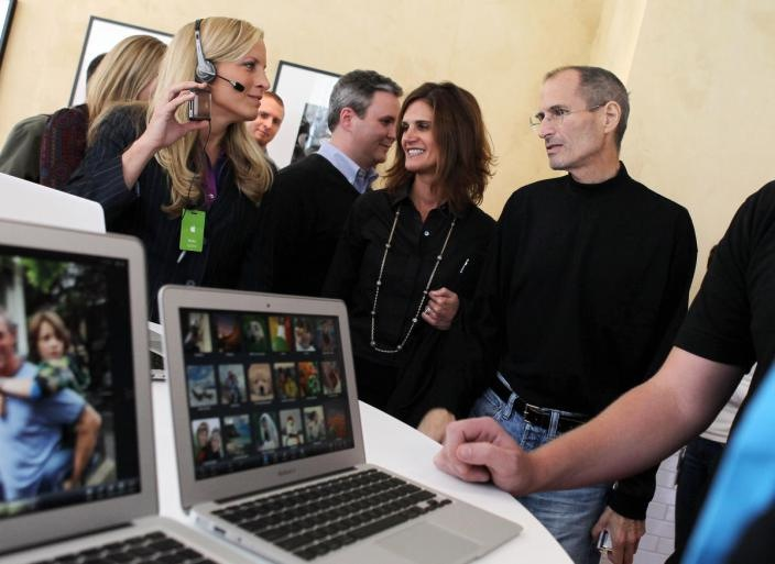 From right: Steve Jobs, former PR chief Katie Cotton, current manager Steve Dowling