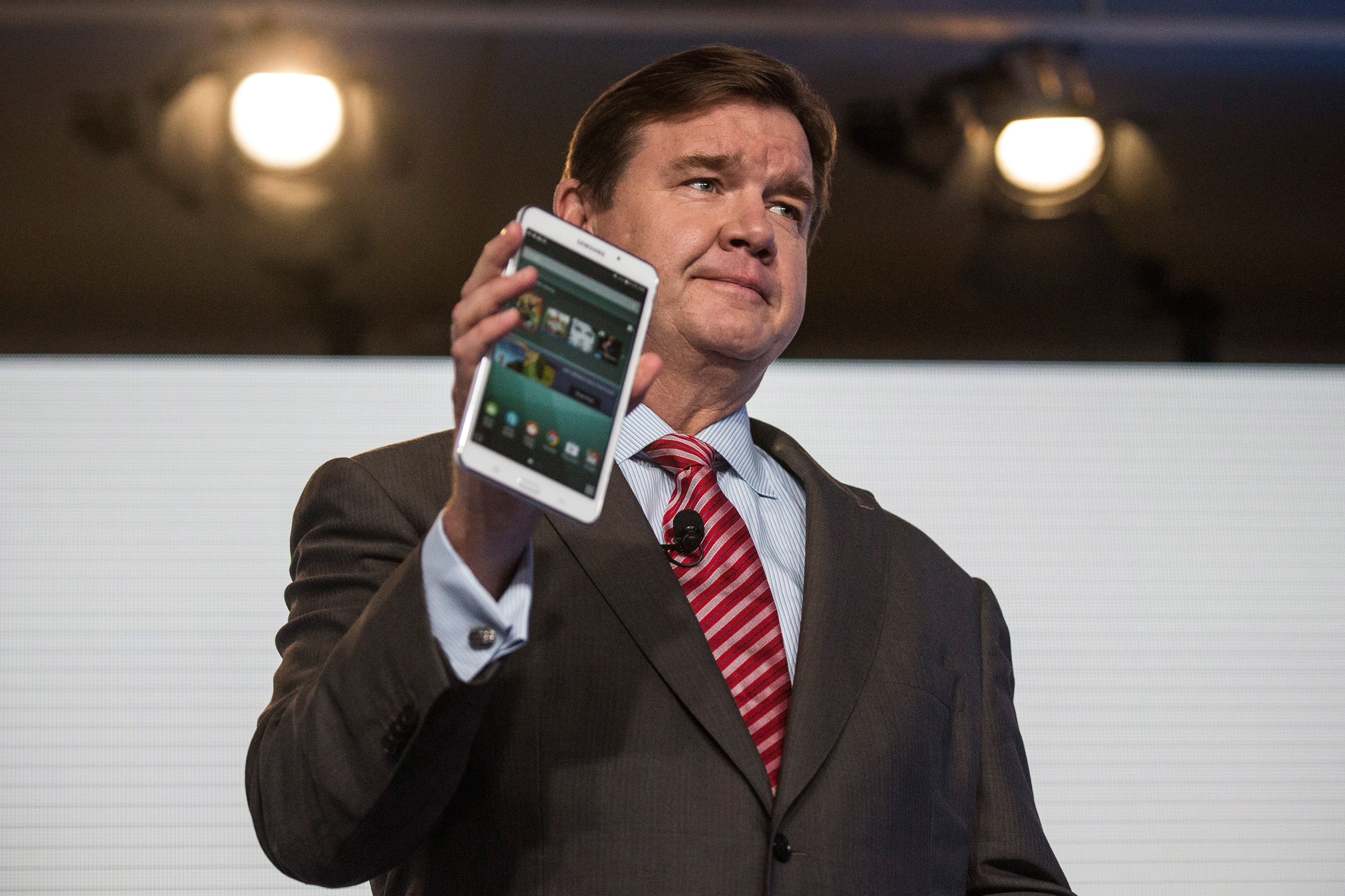 Samsung And Barnes & Noble Make Announcement On New Joint Device