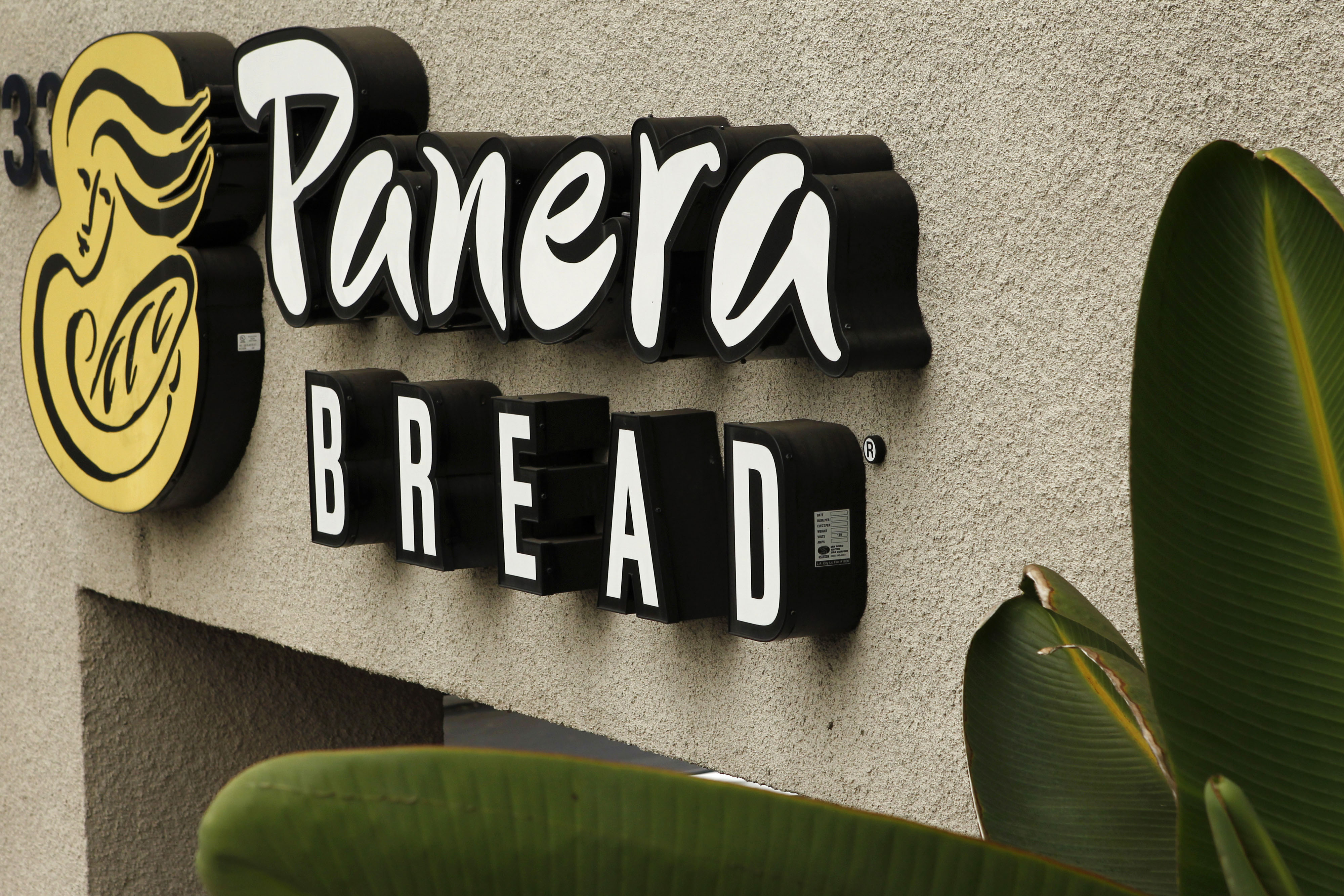 Panera Bread to customers: Guns are allowed but not really