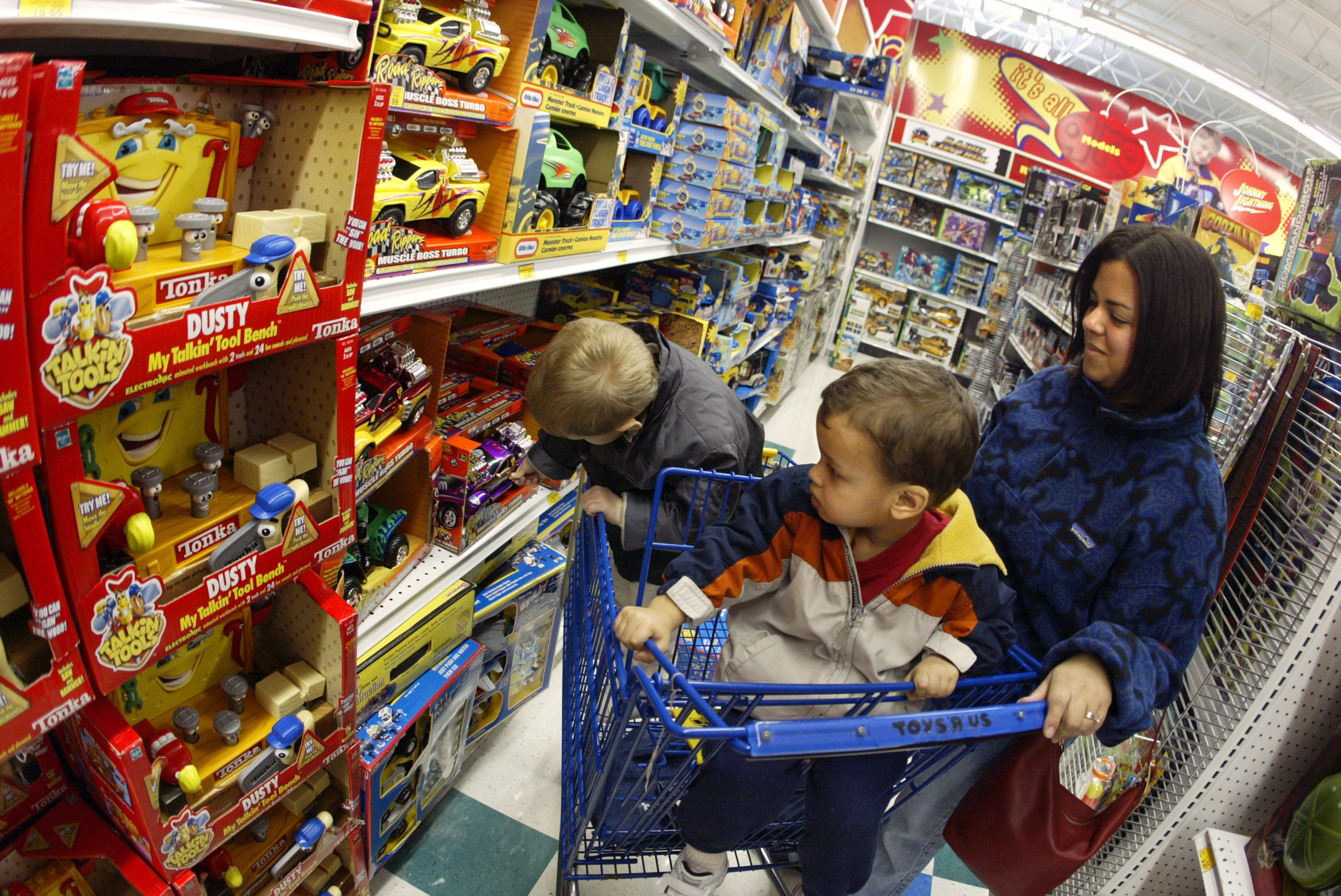 Toys R Us Plans Restructuring