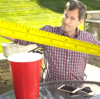 David Pogue takes the measure of the new iPhones