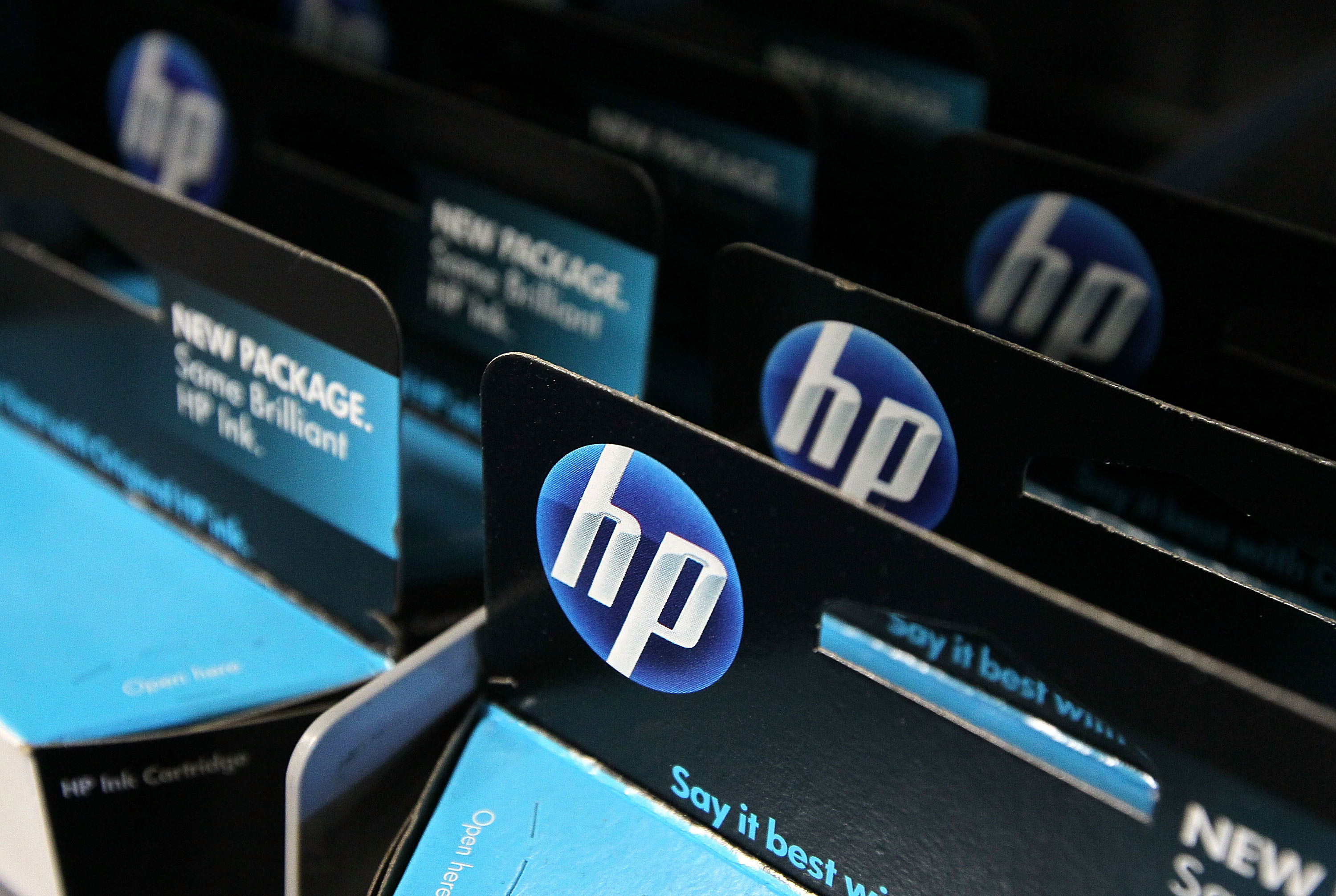 Hewlett-Packard To Cut 9,000 Positions