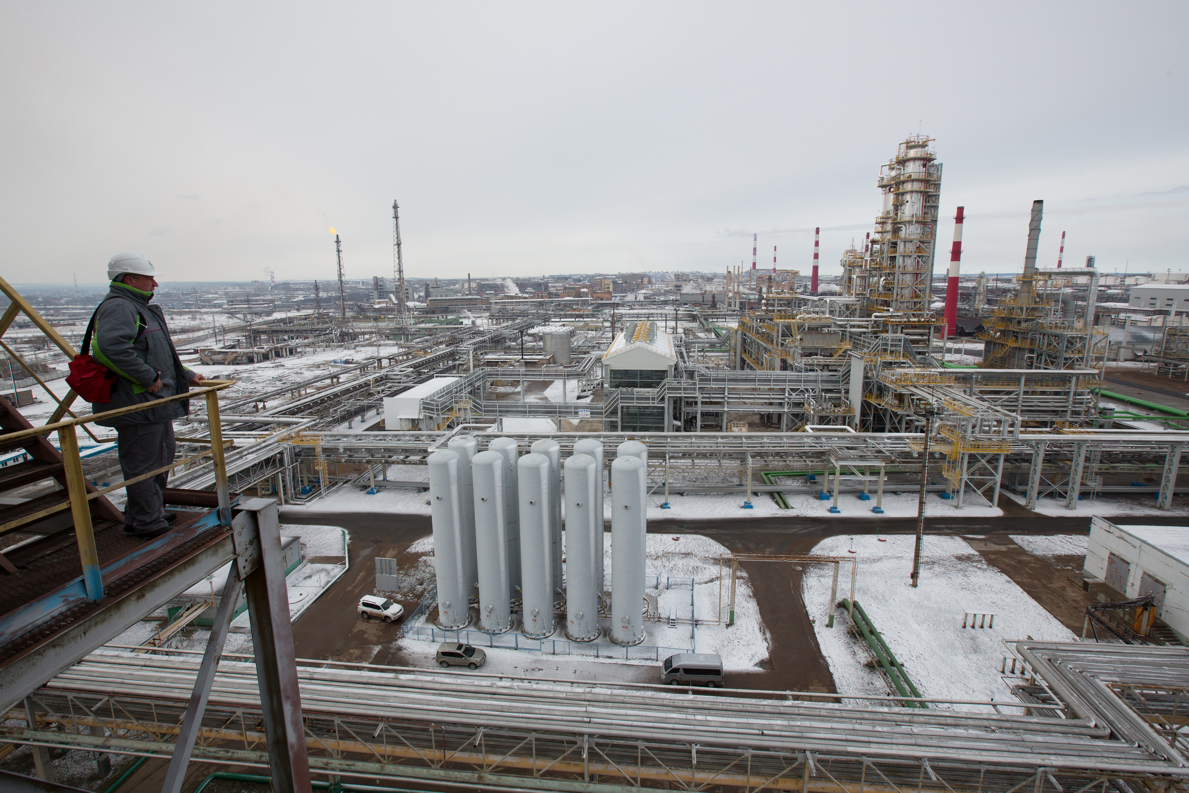 Inside OAO Bashneft Oil Refinery And Gas Station