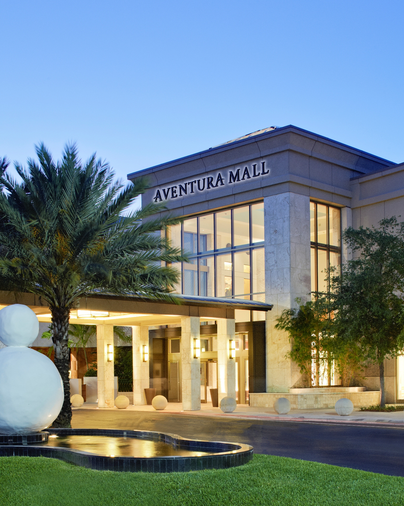 Not all U S  malls are reeling: These 10 centers are booming | Fortune