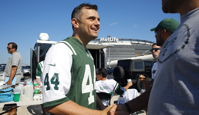 Gary Vaynerchuk tailgates with friend at the Jets game September 7, 2014