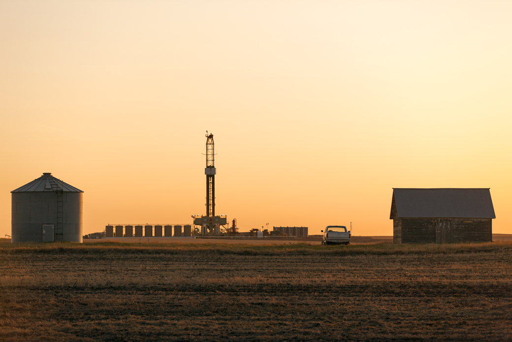Oil drilling rig in Bakken oilfields of Williams County near Ray, North Dakota.