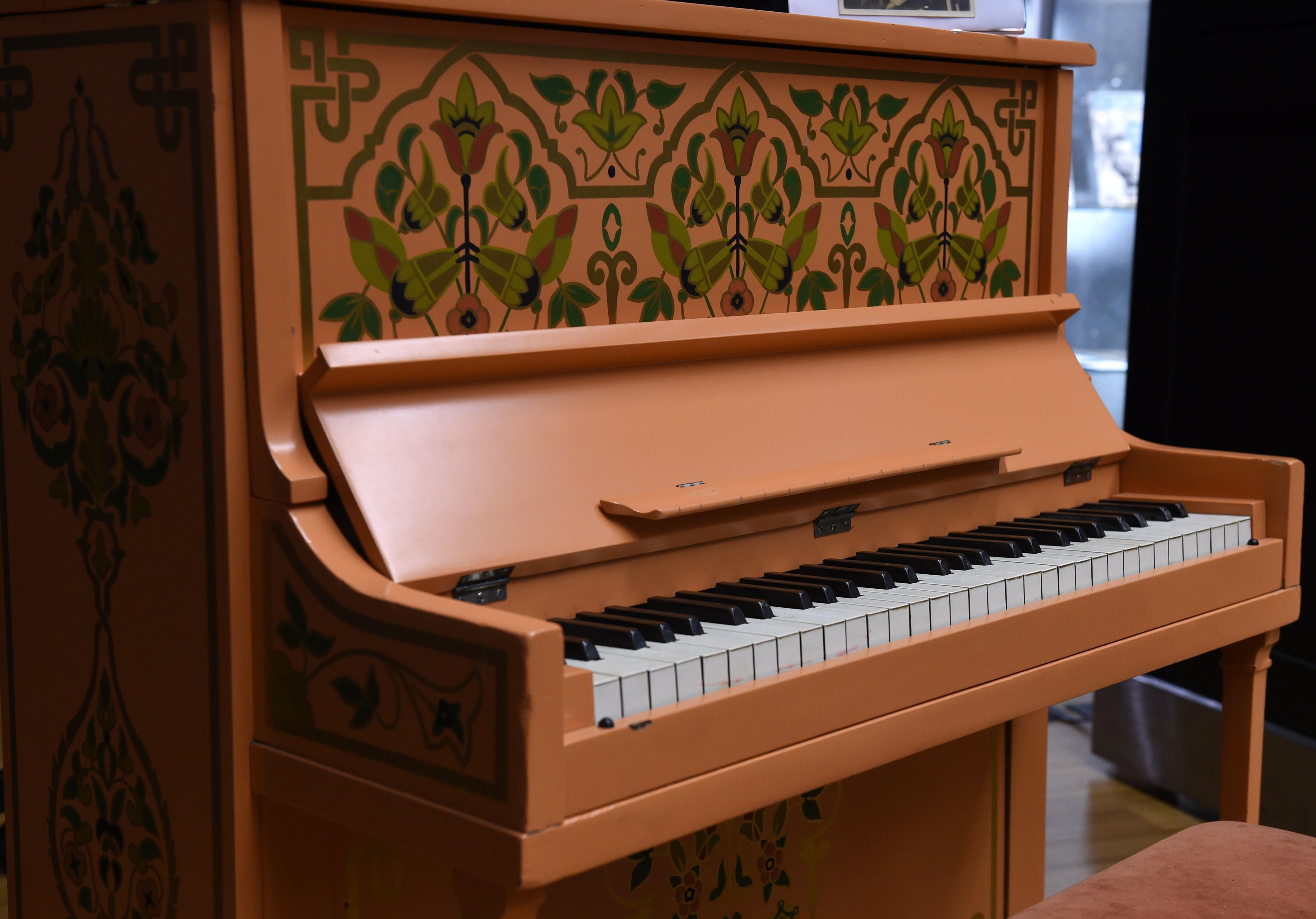 US-BONHAMS-CASABLANCA PIANO
