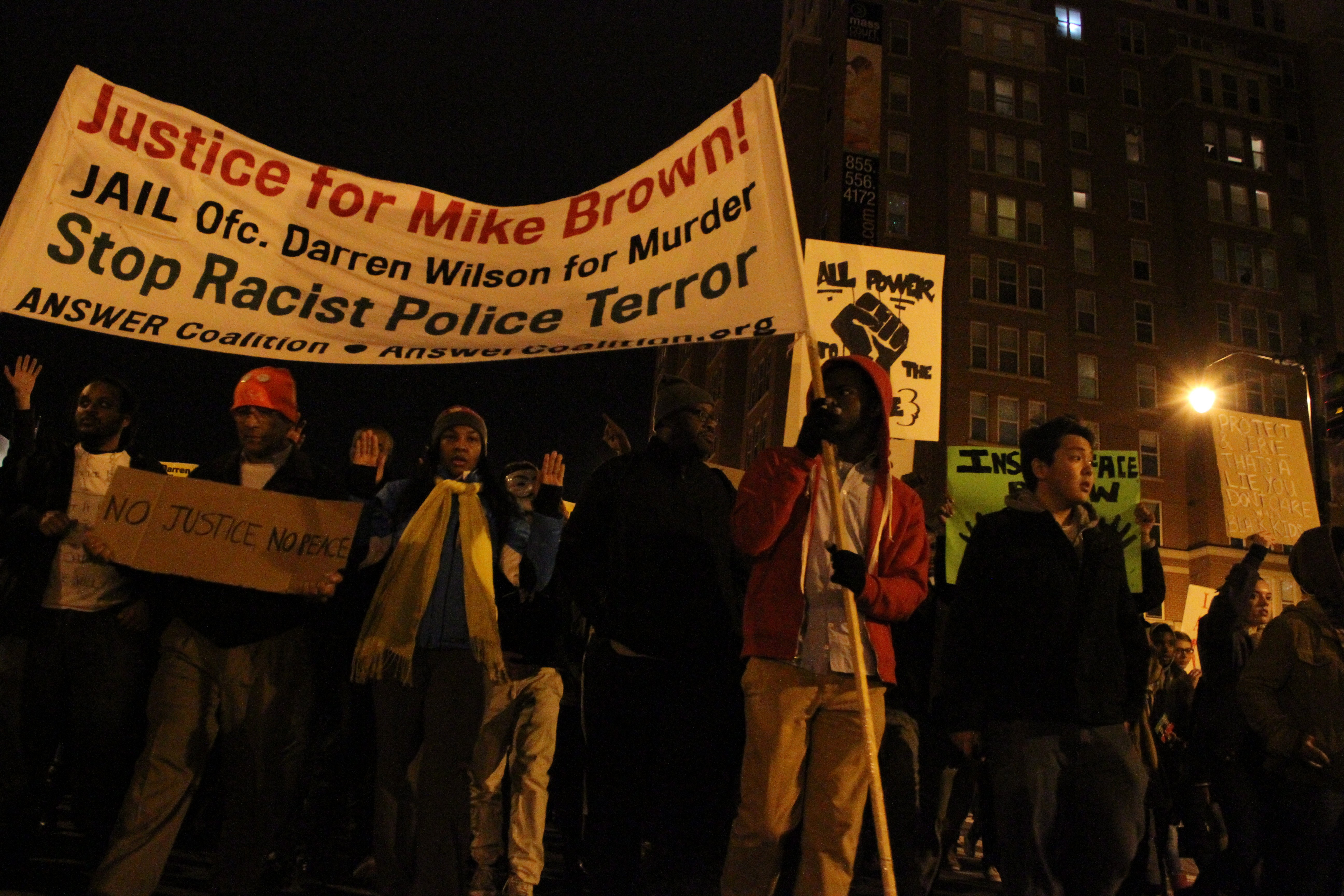 Protests at second night after Ferguson Grand Jury decision in Washington