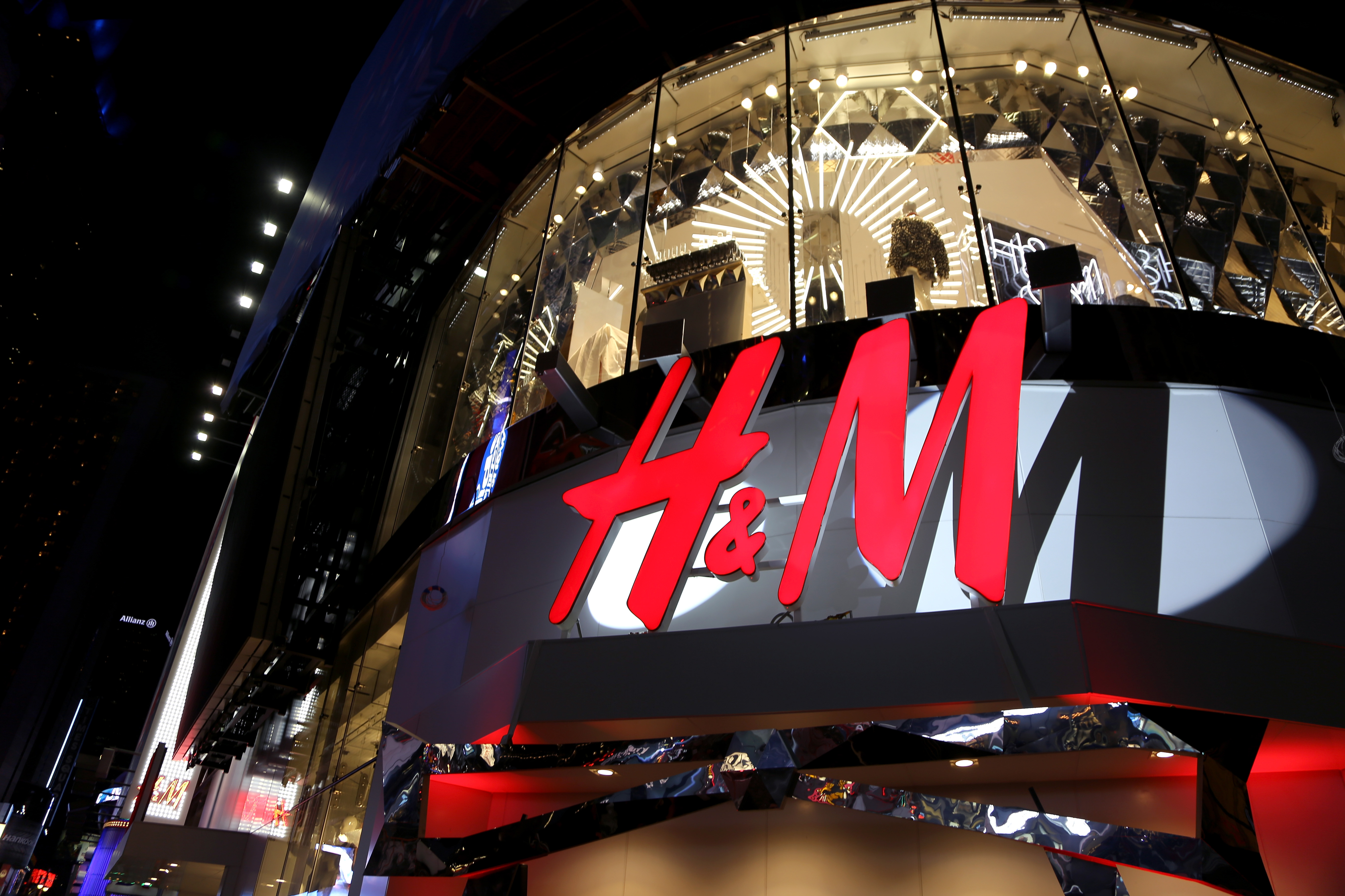 Fast Fashion Apparel Giant H M Opening More Stores As Profit Soars Fortune