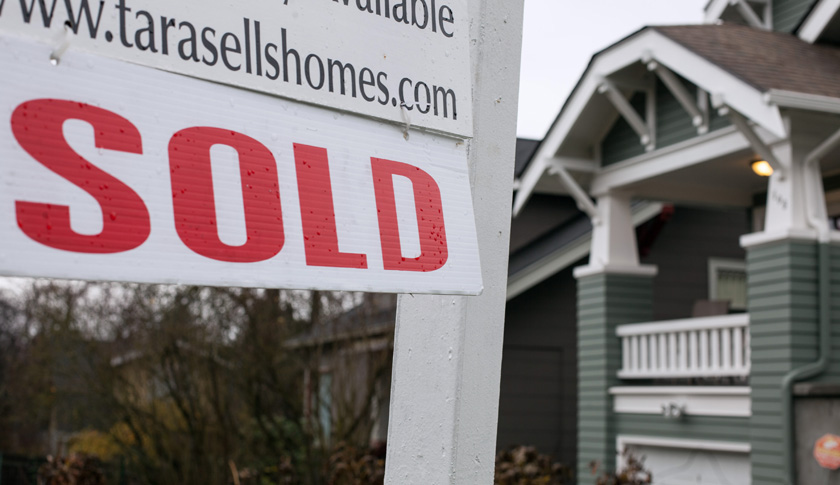 Sales of U.S. Existing Homes Drop to Lowest in Four Months