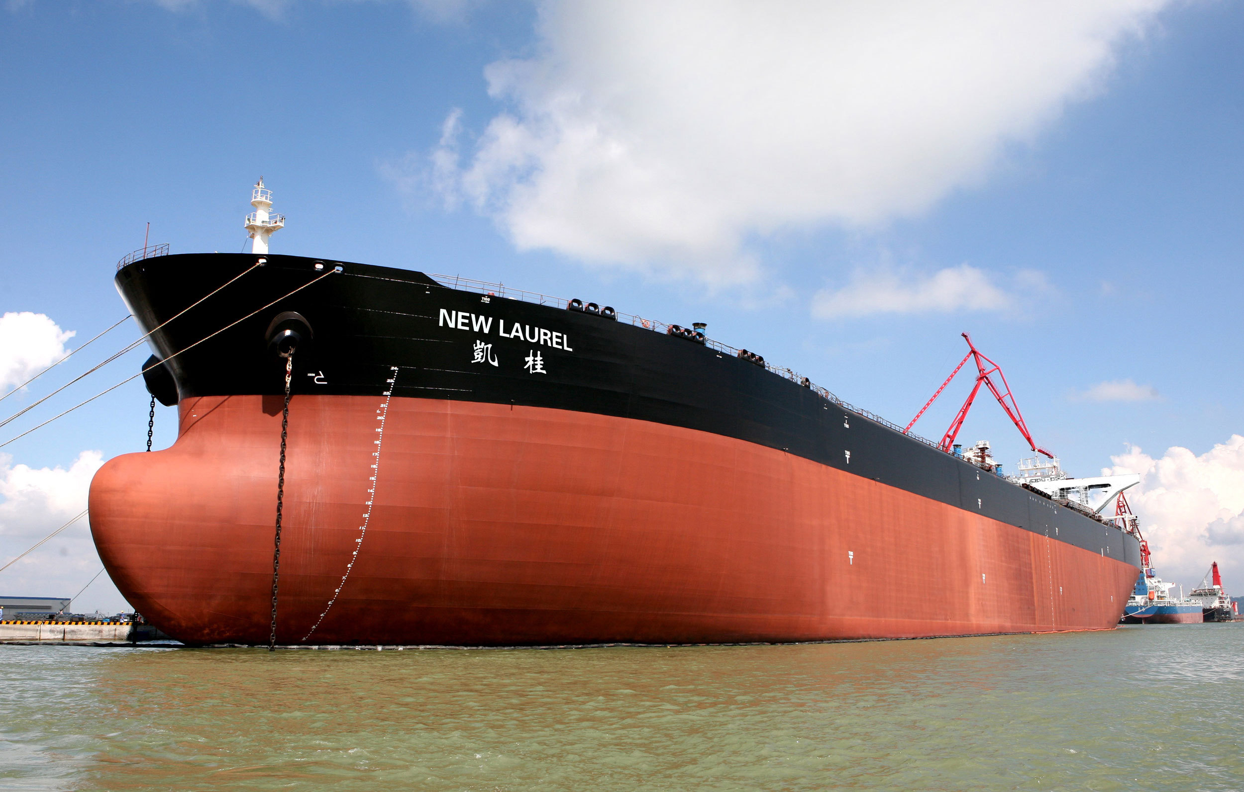 China's Largest Crude Oil Tanker Is Built In Guangzhou