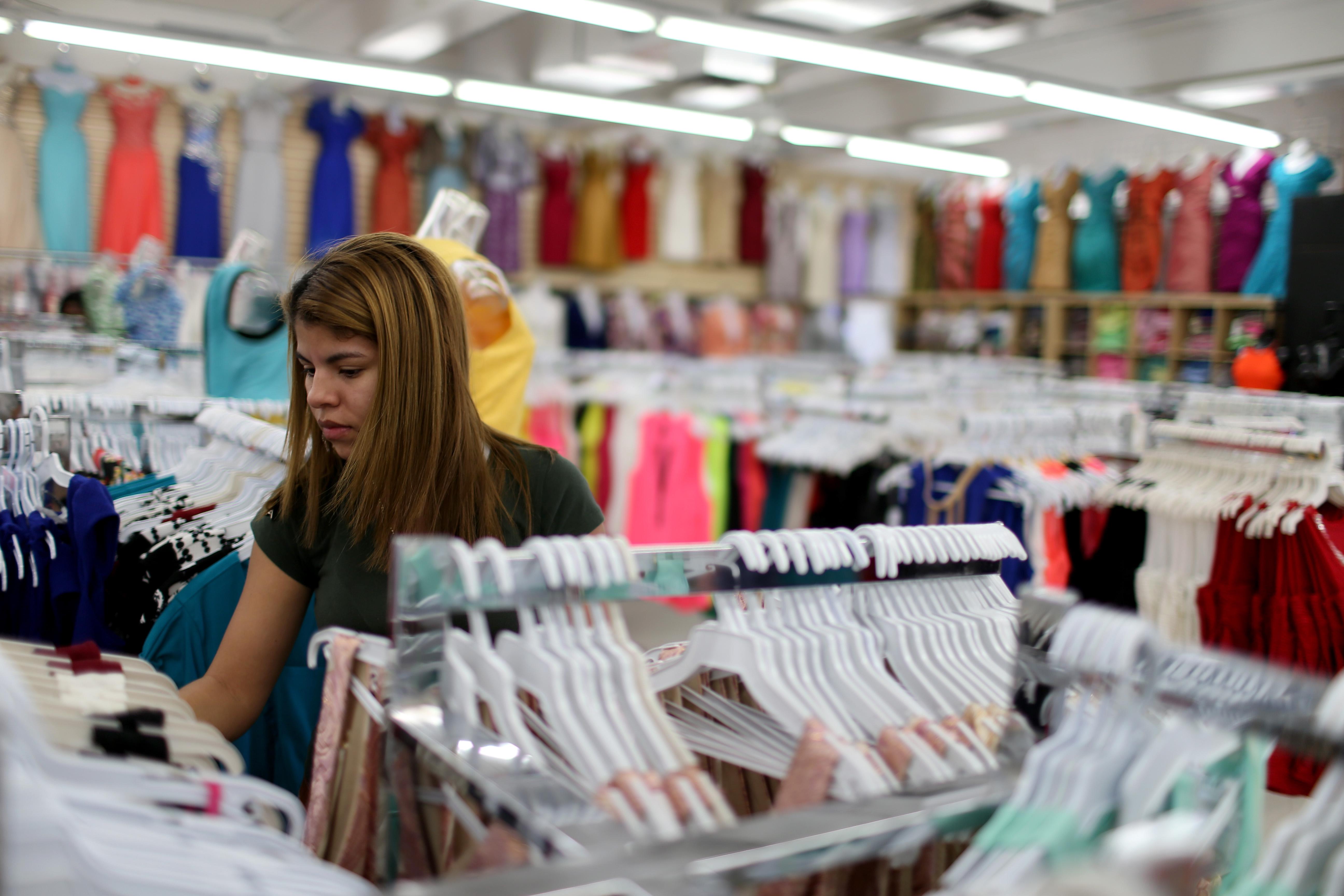 3rd Quarter U.S. GDP Rises 5.0 Percent; Fastest In 11 Years