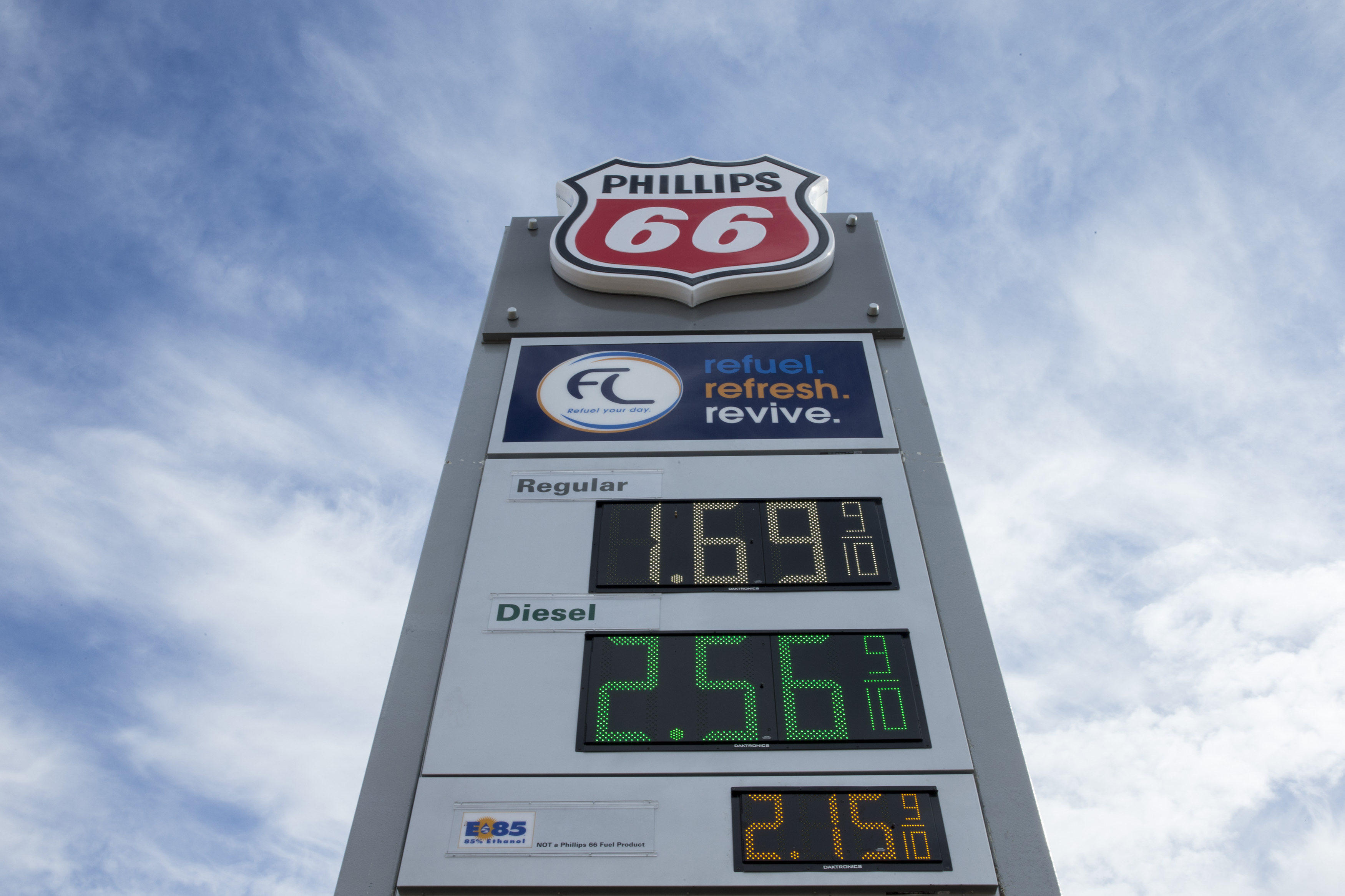 Cheap Gas Prices Near Me >> Gas Prices On Track To Tumble Below 2 Fortune