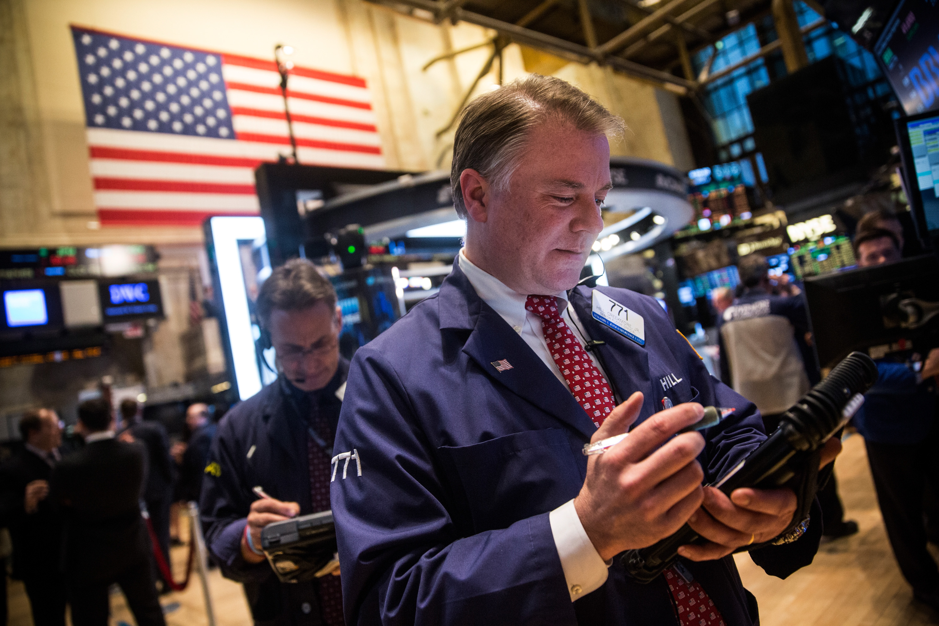 Dow Jones Index Crosses 18,000 Mark