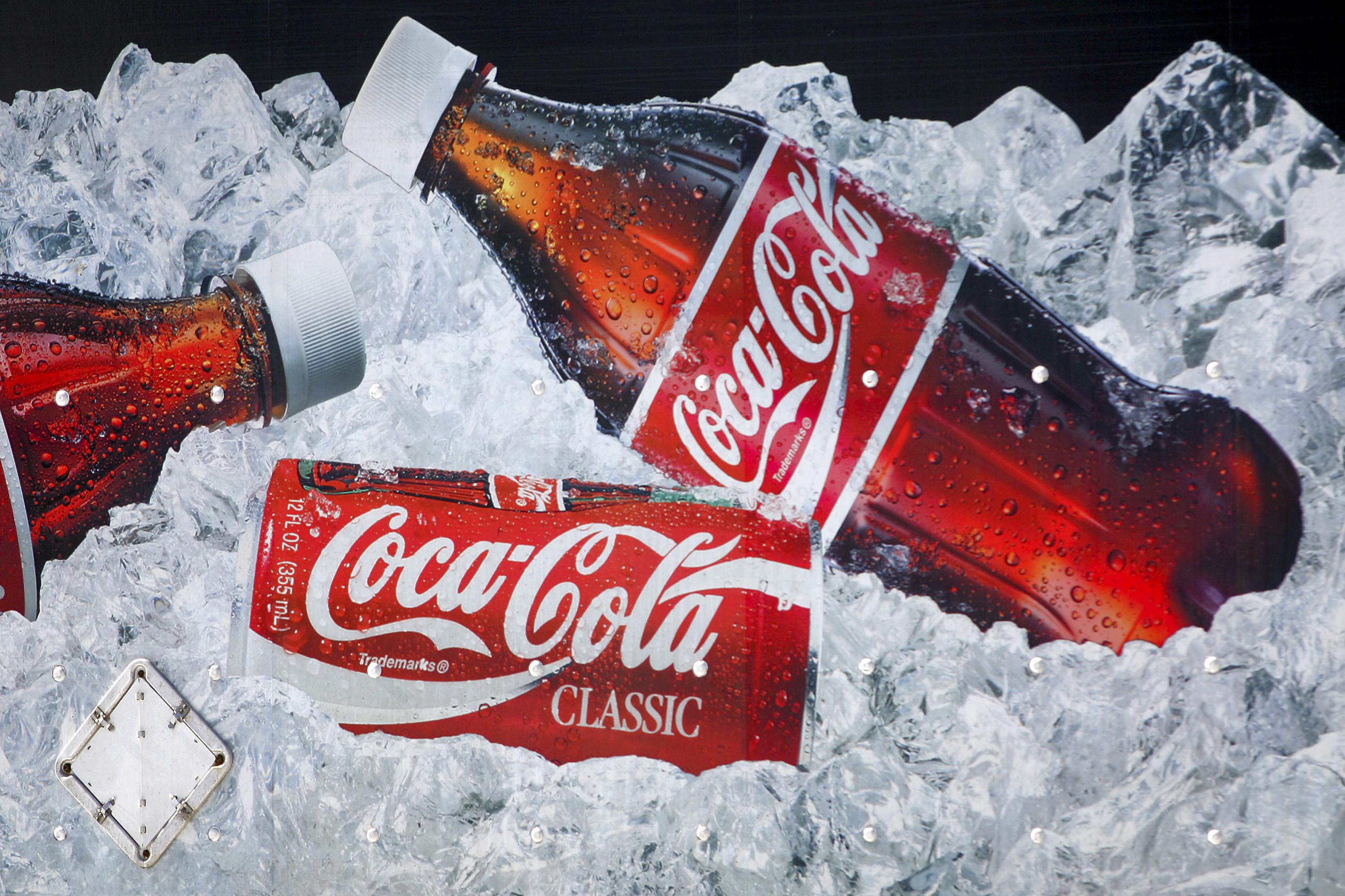 Открытки кока-кола, женский день своими
