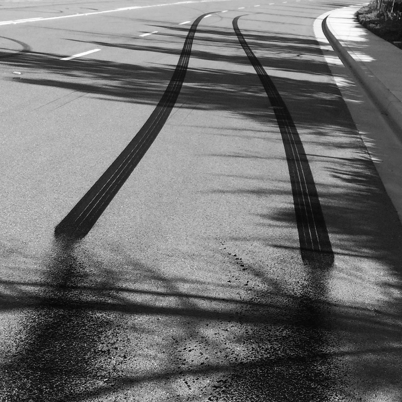 2015 Dodge Challenger SRT Hellcat tracks