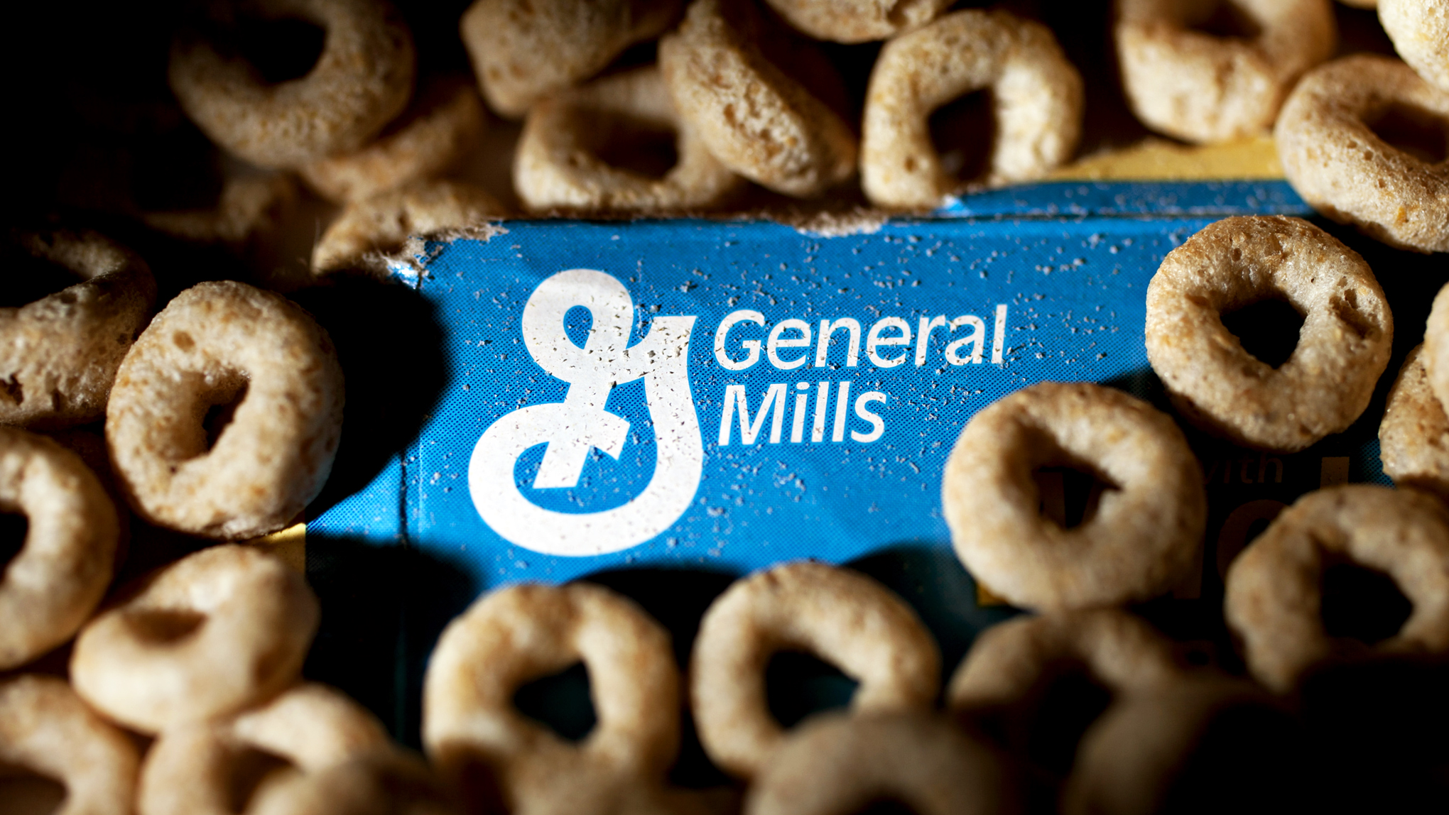 General Mills Cuts Profit Forecast Amid Weak Demand