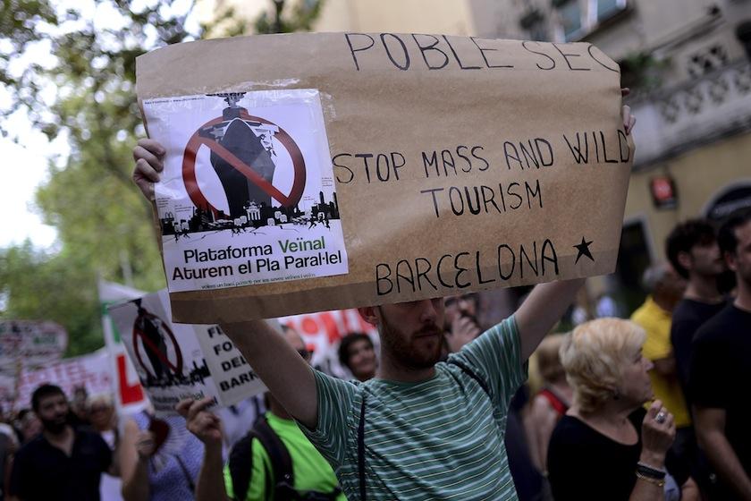 SPAIN-TOURISM-DEMO-BARCELONETA