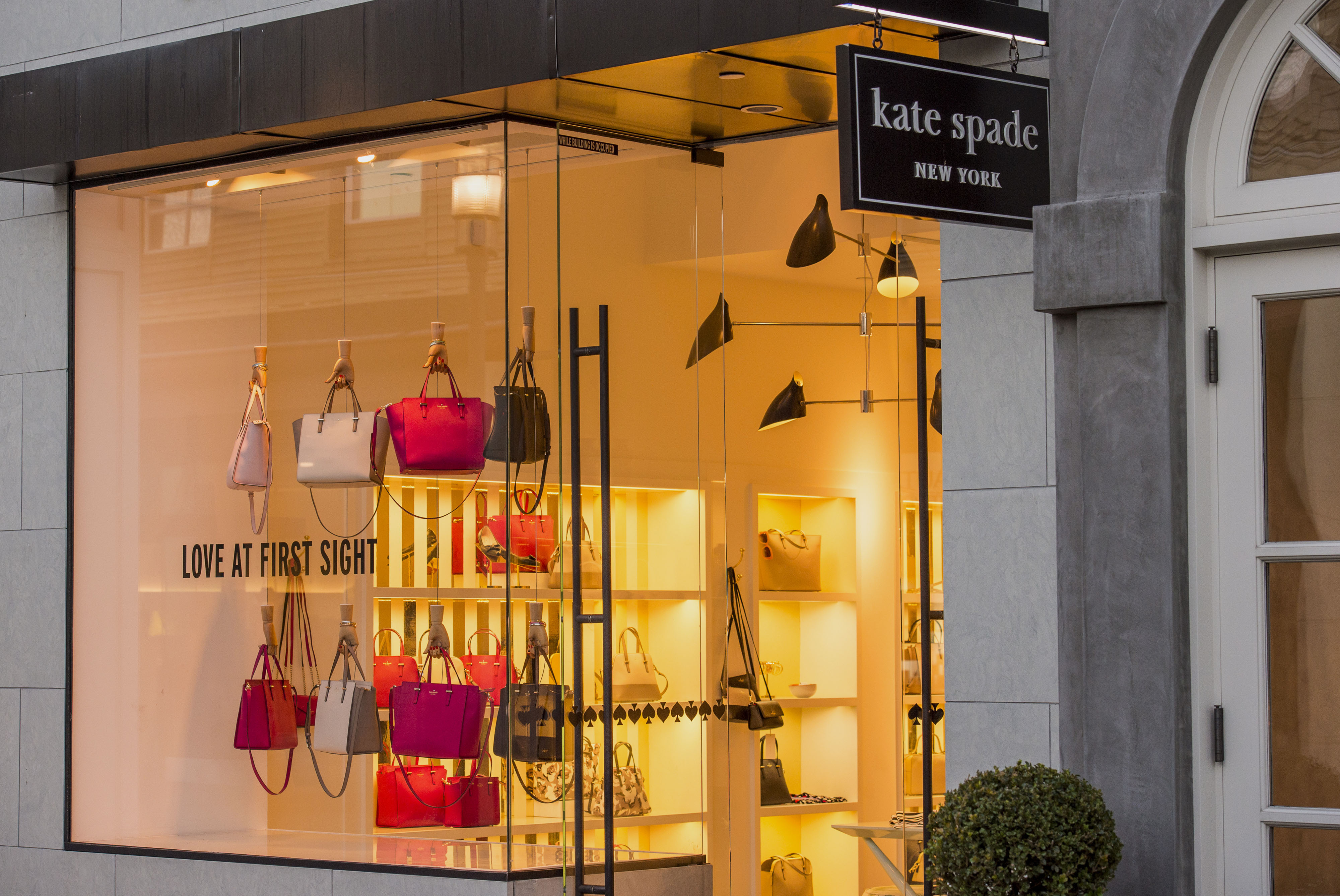A Kate Spade & Co. Store Ahead Of Earnings Figures