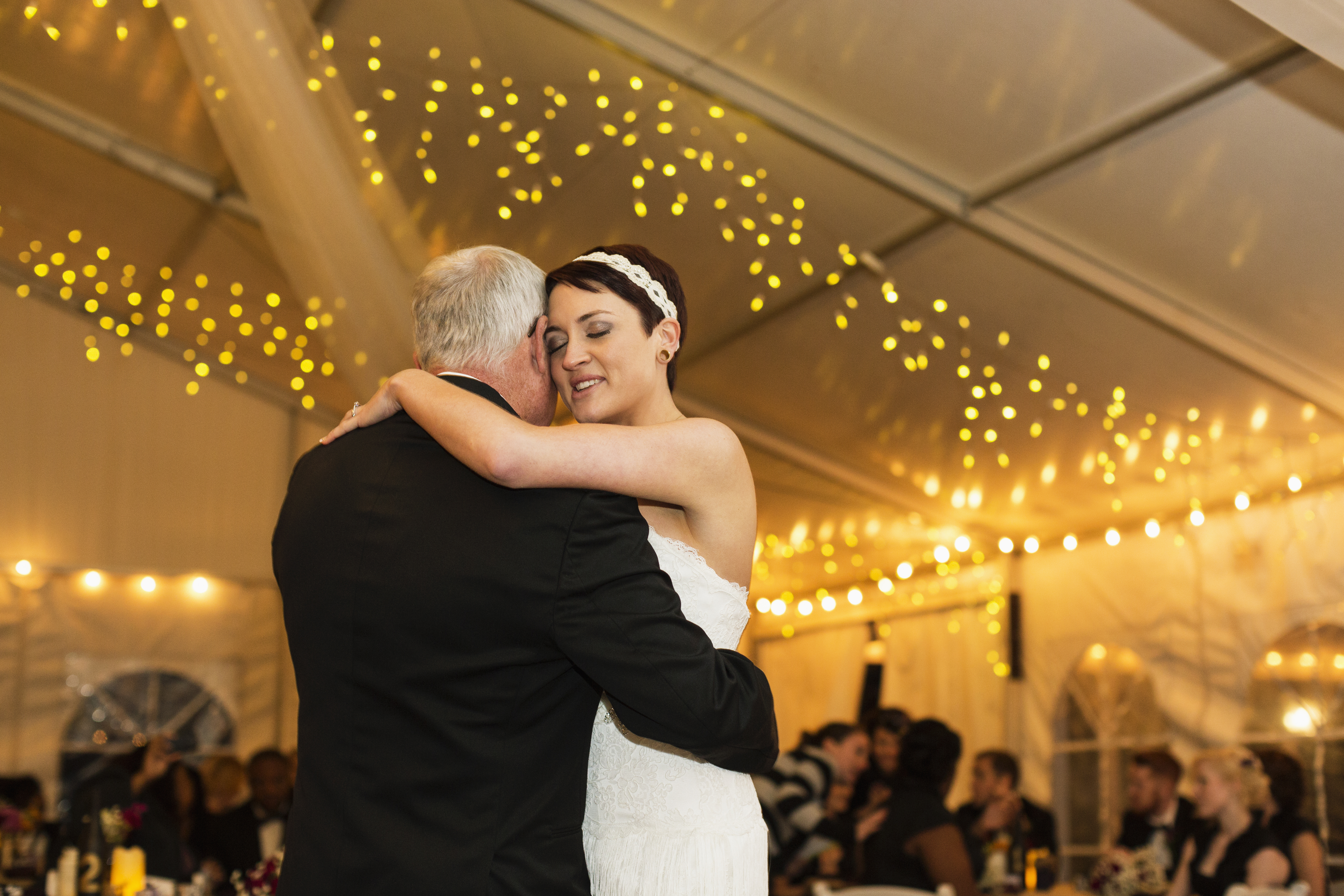 Average Wedding Costs 2015.You Won T Believe How Much An Average Wedding In America Now