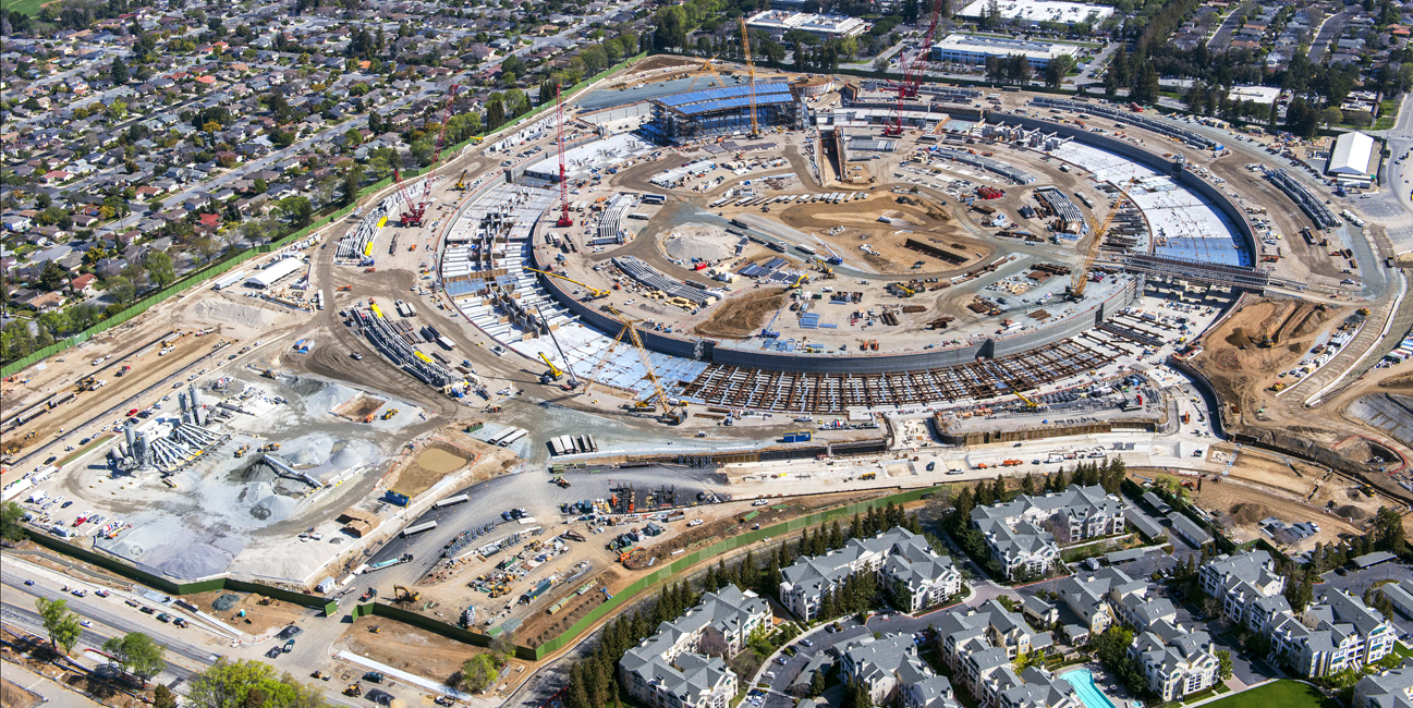 Apple construction, new corporate campus. Cupertino, CA