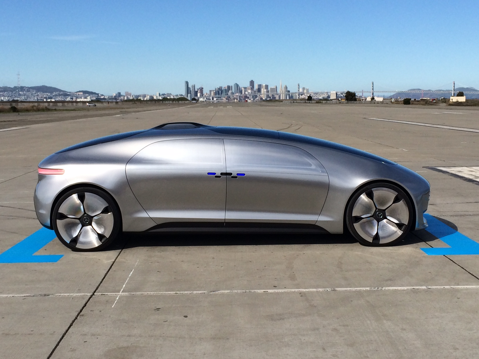 Mercedez-Benz F 105 driverless car