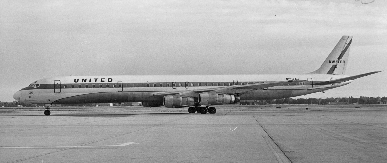 1-1-1968, OCT 2 1968; United Airlines - Super DC;