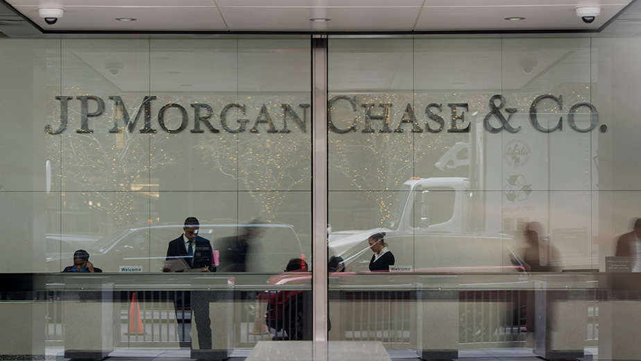 Banking Institutions As U.S. Stocks Fall Amid Global Selloff On China, Greece Concerns