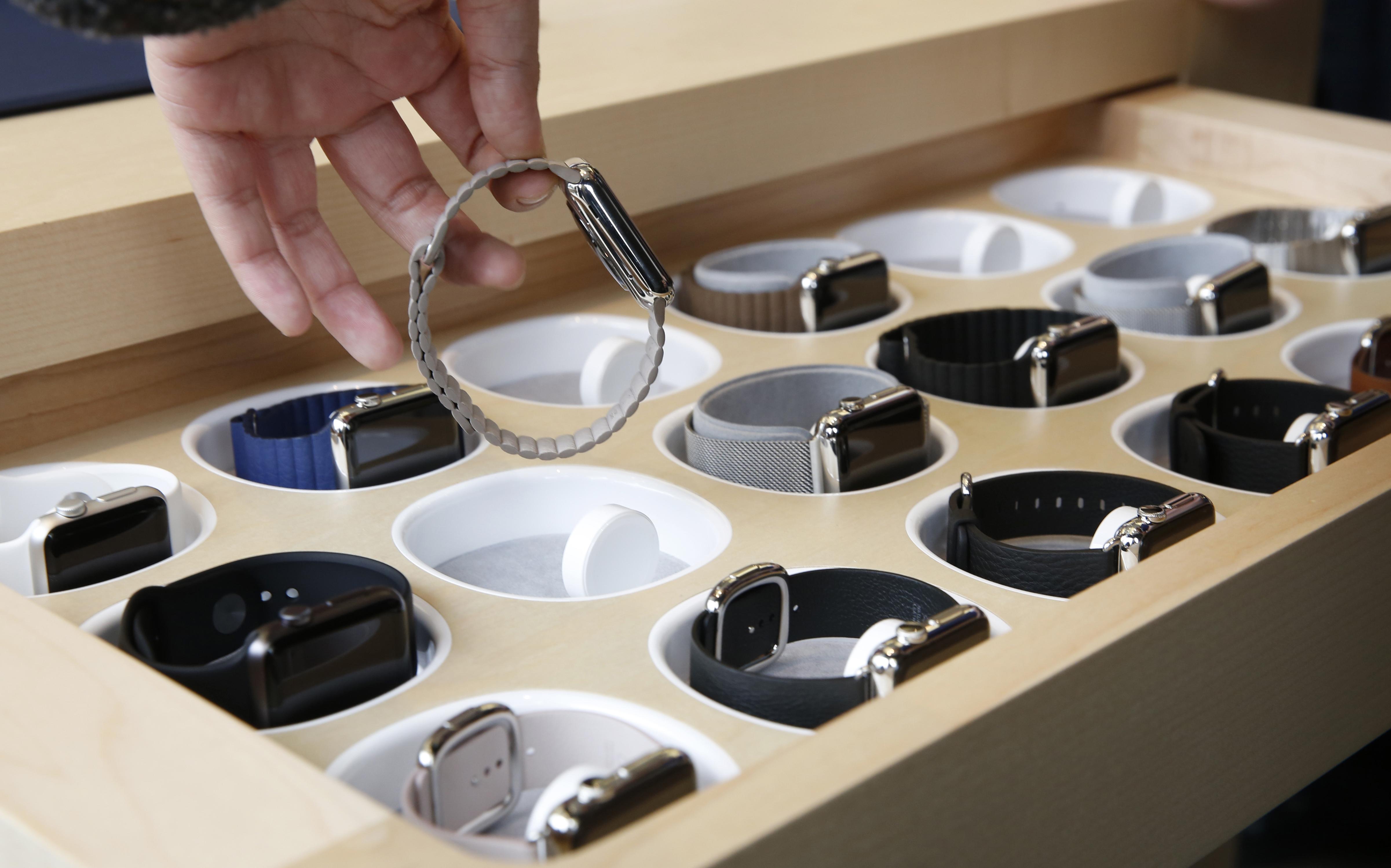 APTOPIX Hong Kong Apple Watch Debuts