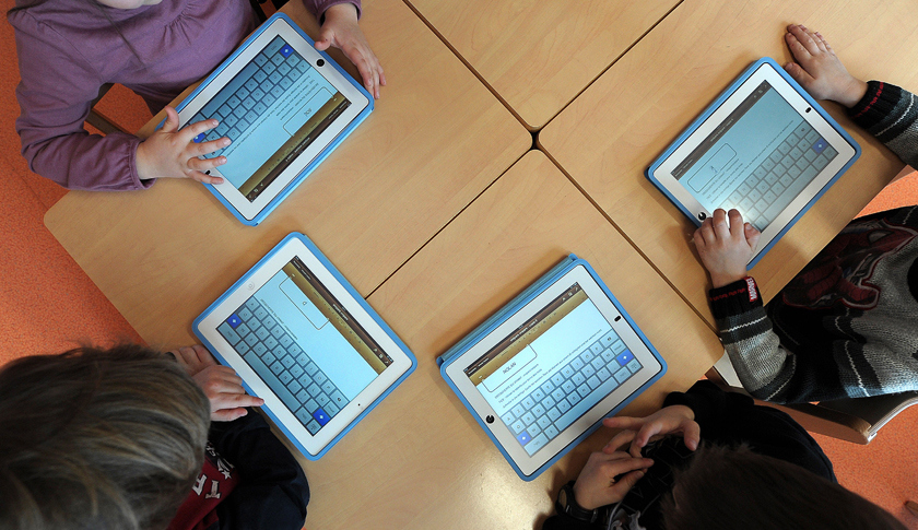 FRANCE-EDUCATION-SCHOOL-TECHNOLOGIES