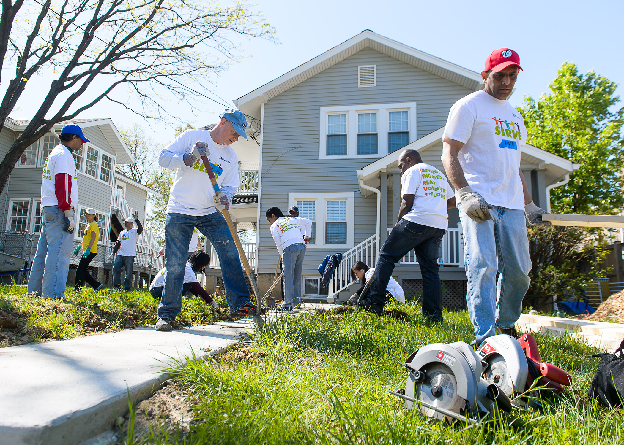 Fannie Mae Volunteers build and repair garden and landscaping for the Salvation Army of Alexandria along with Rebuilding Together.  The create an outdoor space and community gardens for families living in transitional housing units to enjoy,