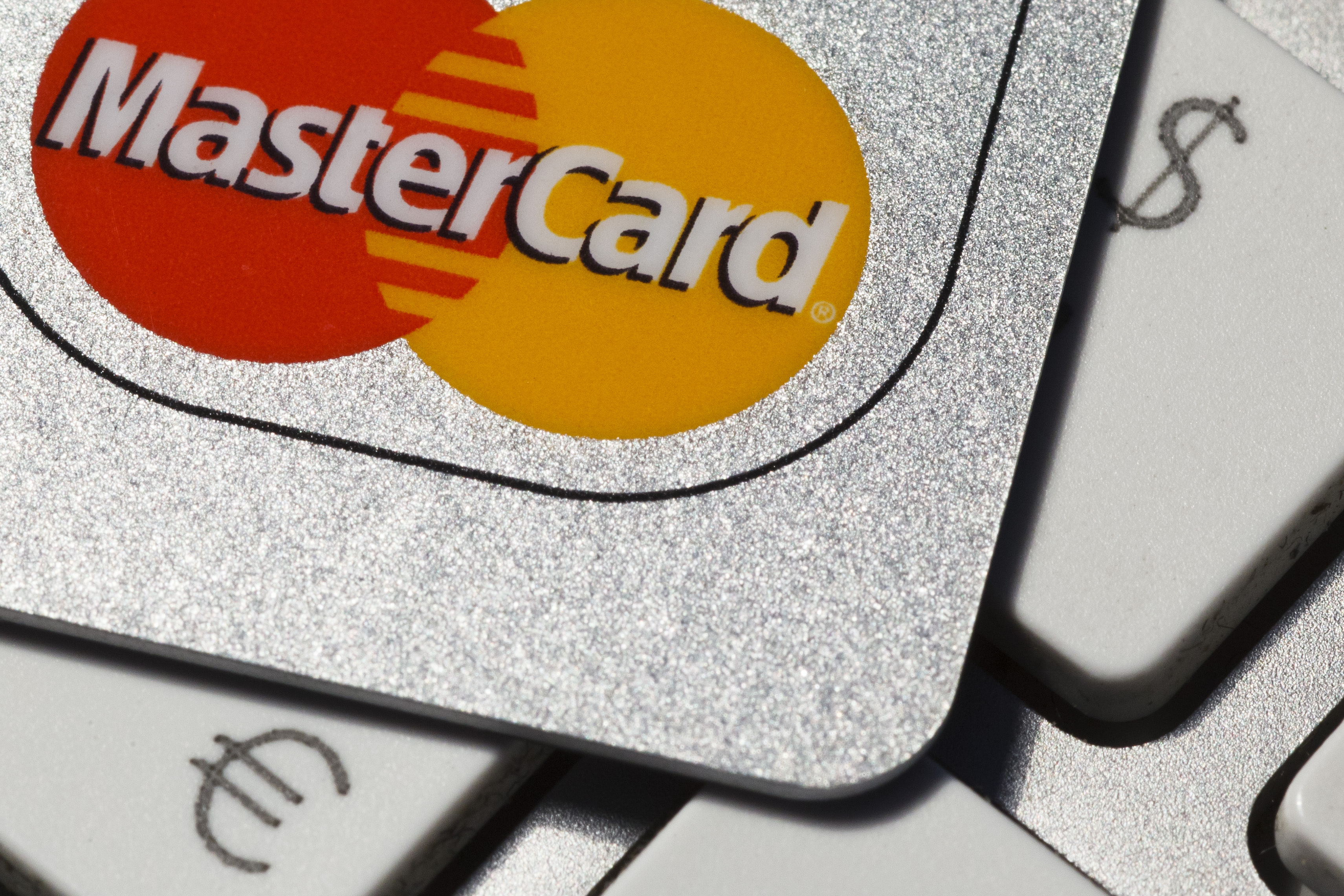 Millennials continue to avoid credit cards in overwhelming numbers.