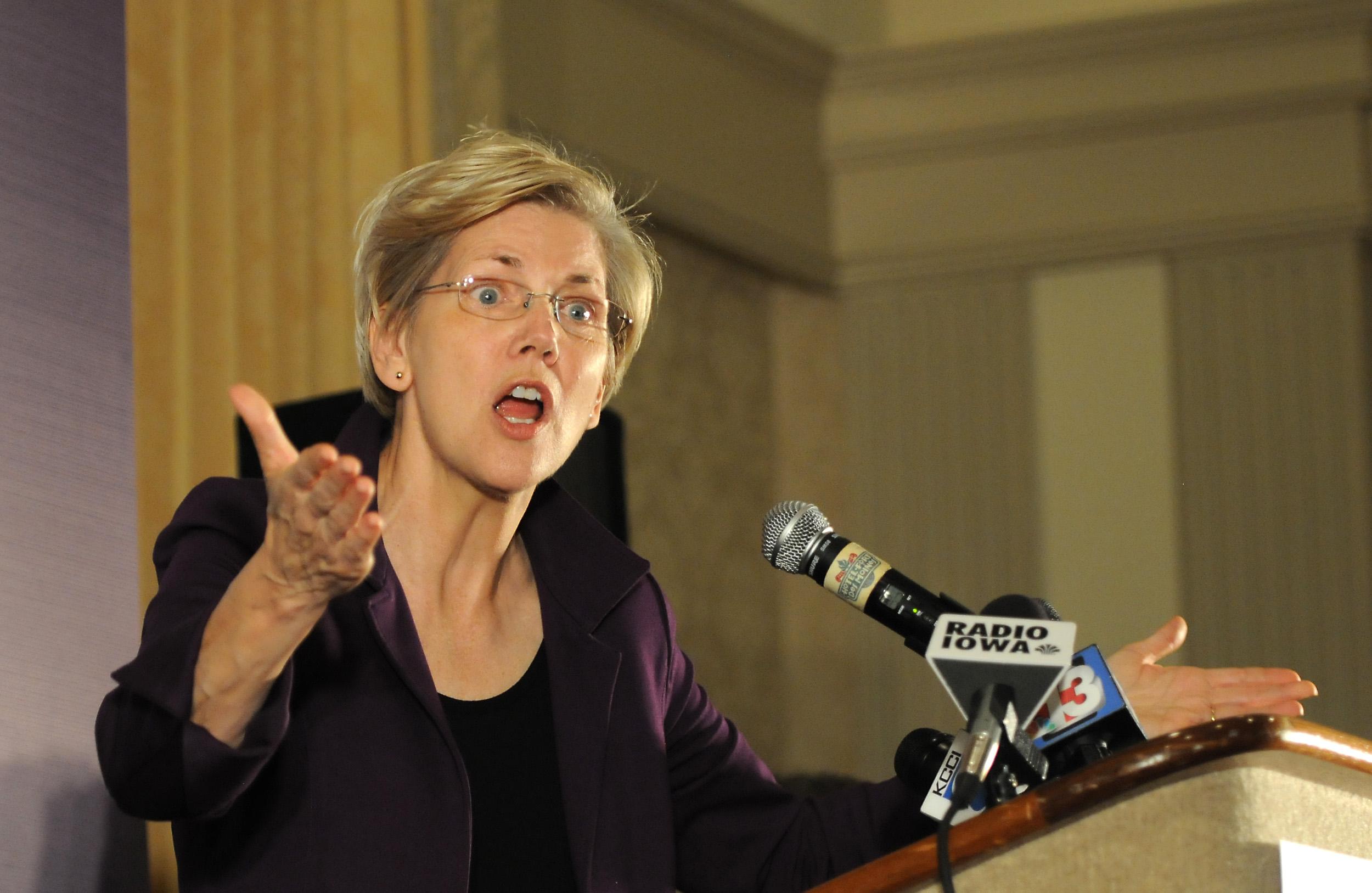 Elizabeth Warren Campaigns With Bruce Braley For His Senate Campaign Bid