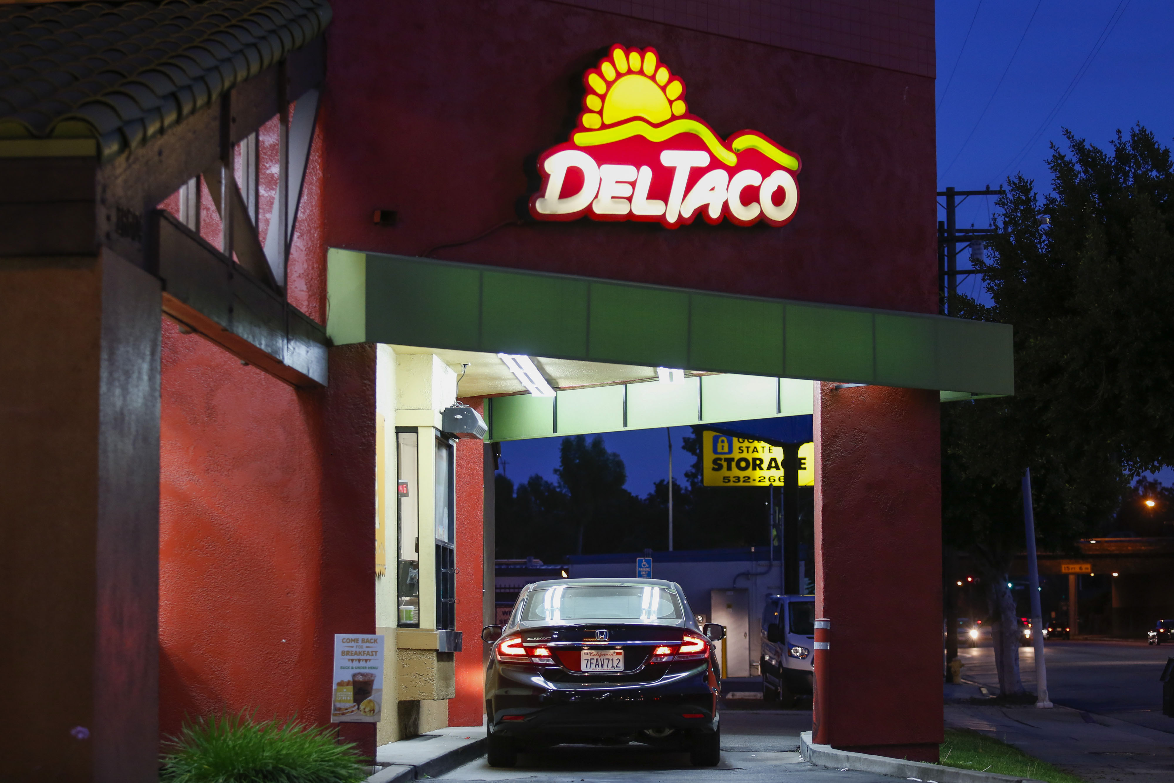 Del Taco Chain to Be Acquired by Restaurant Owner Larry Levy