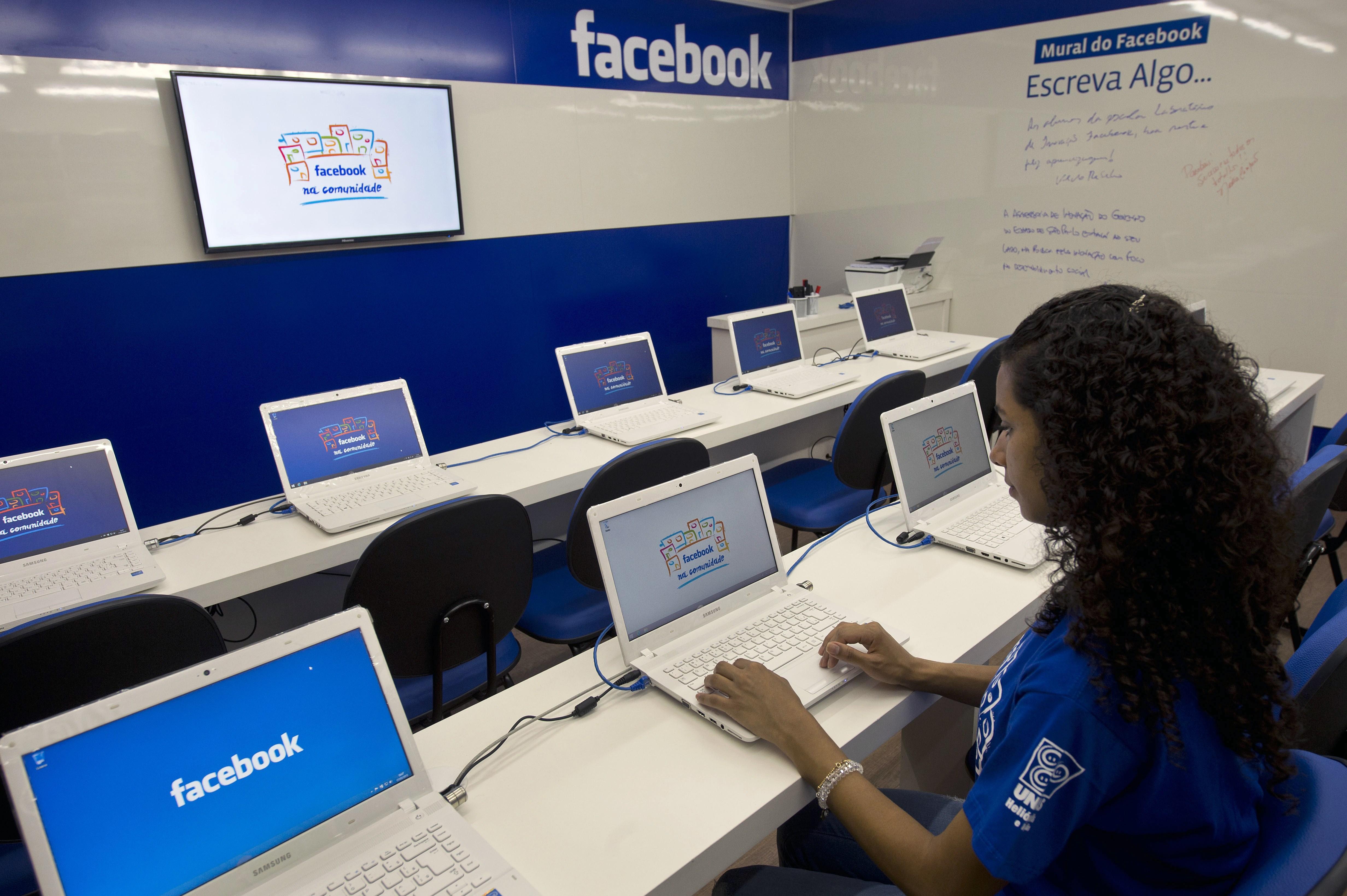 BRAZIL-TECHNOLOGY-INTERNET-FACEBOOK