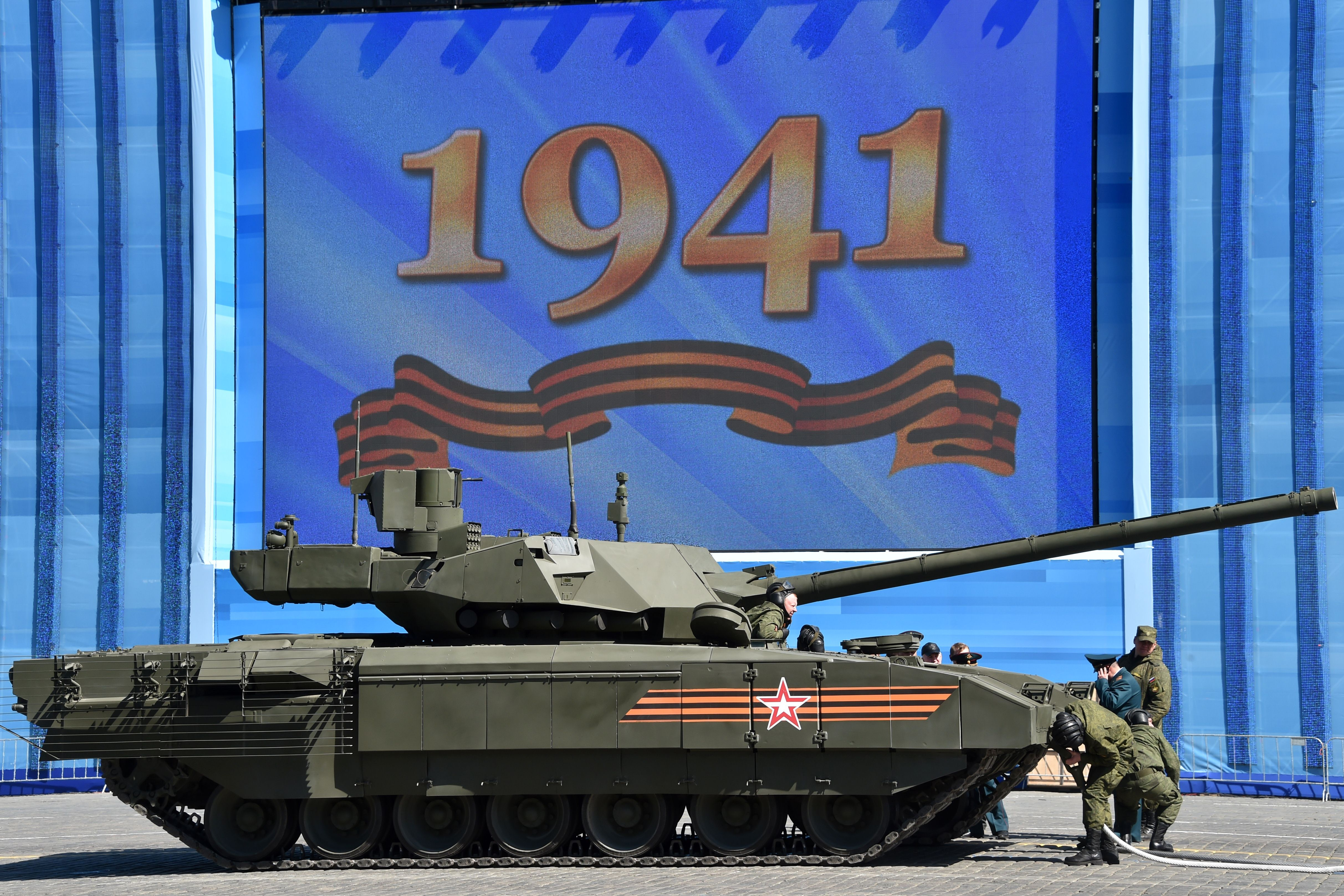 RUSSIA-HISTORY-WWII-PARADE-REHEARSAL