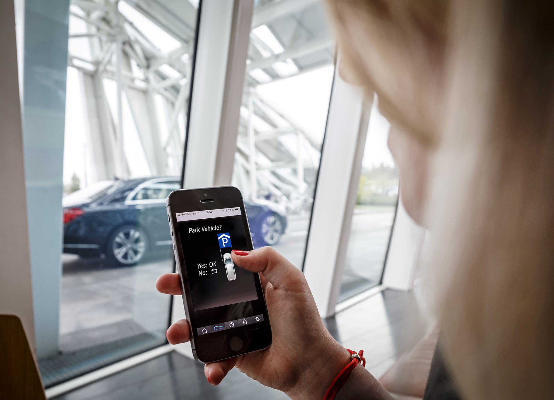 Bosch, Daimler, and car2go agreed in June 2015 to develop technology that will allow cars to automatically drive to a pick-up point via a smartphone app.