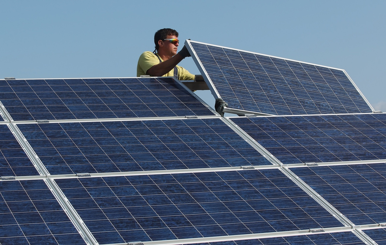 Google Solar Roof >> Google Will Now Help You Get Solar On Your Roof Fortune